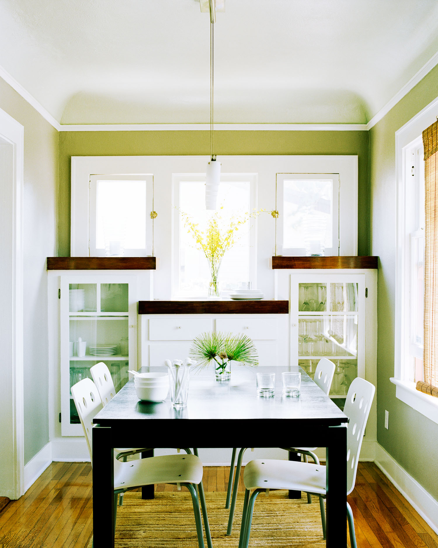 How To Extend Your Dining Room A Couple Of Feet