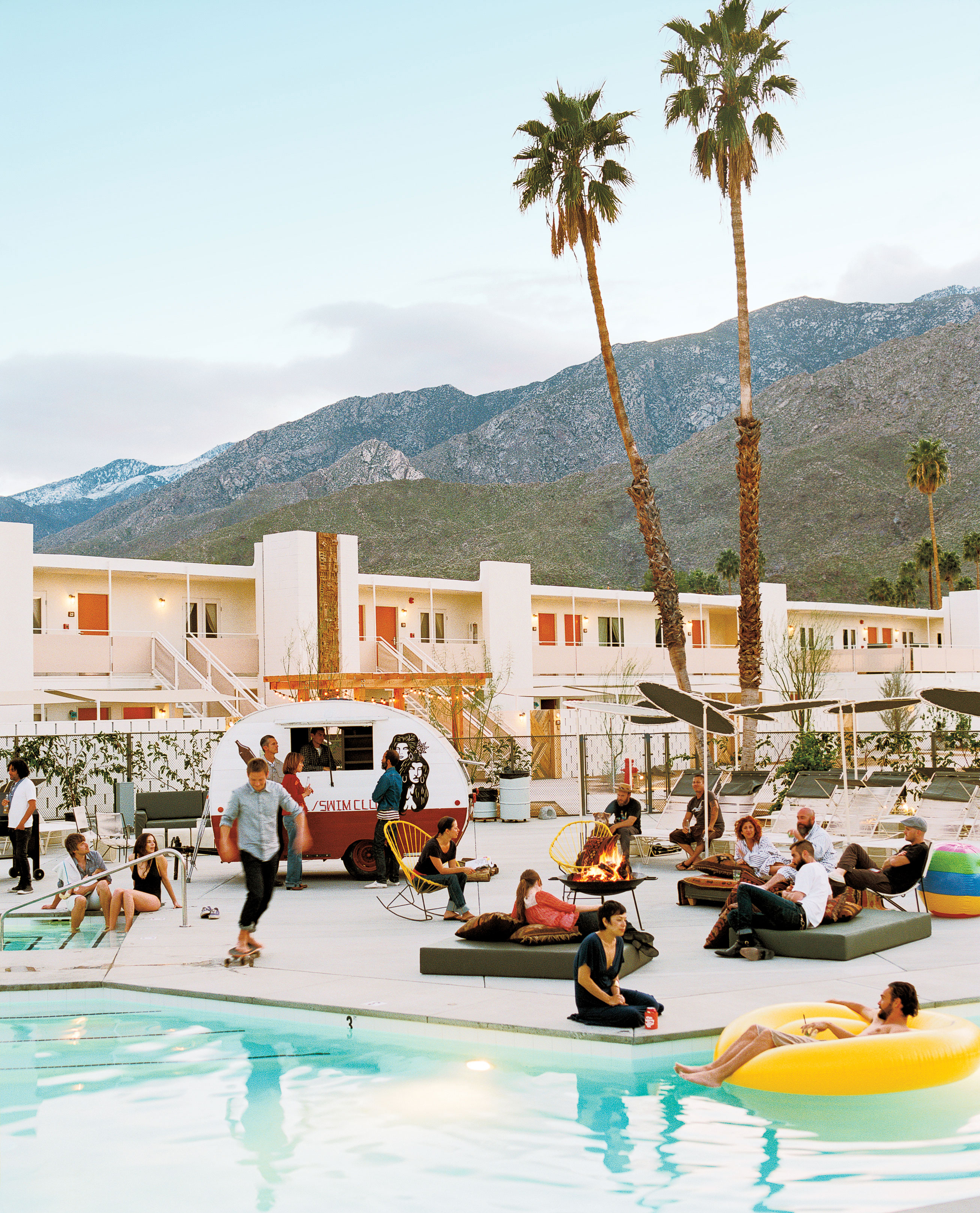 Spotlight On Palm Springs Style Outdoor Areas: Ace Hotel & Swim Club