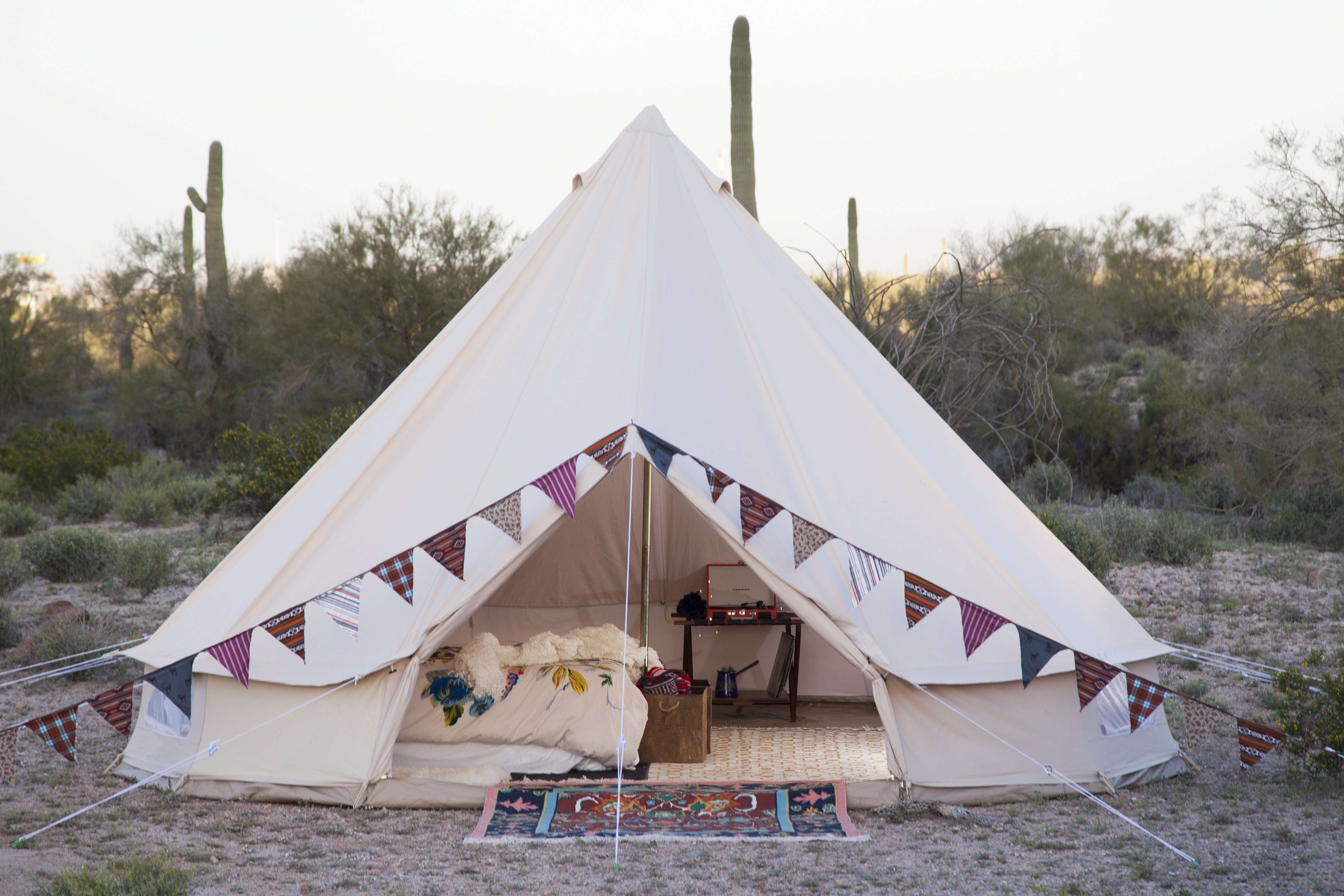 10 Great Glamping Tents & Accessories
