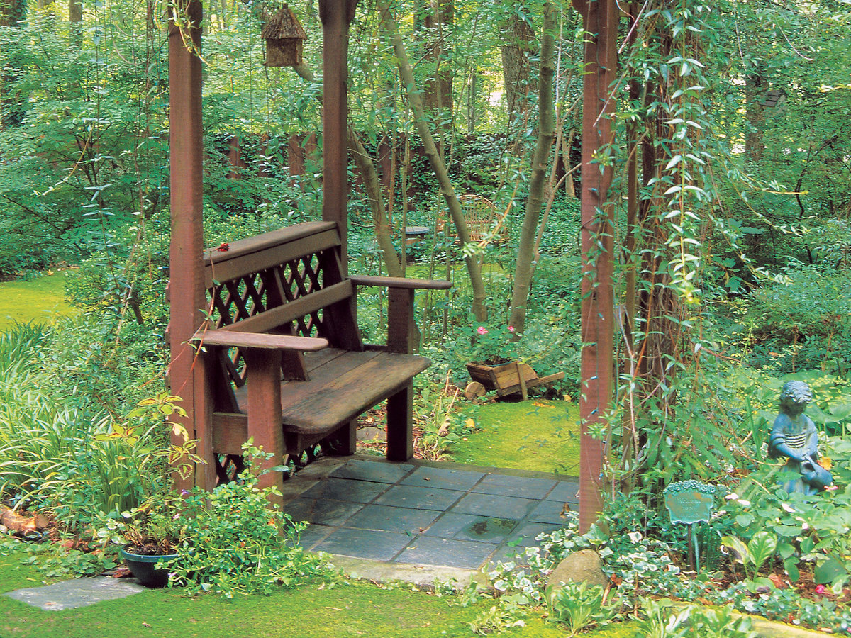 Make Your Own Shady Arbor Bench