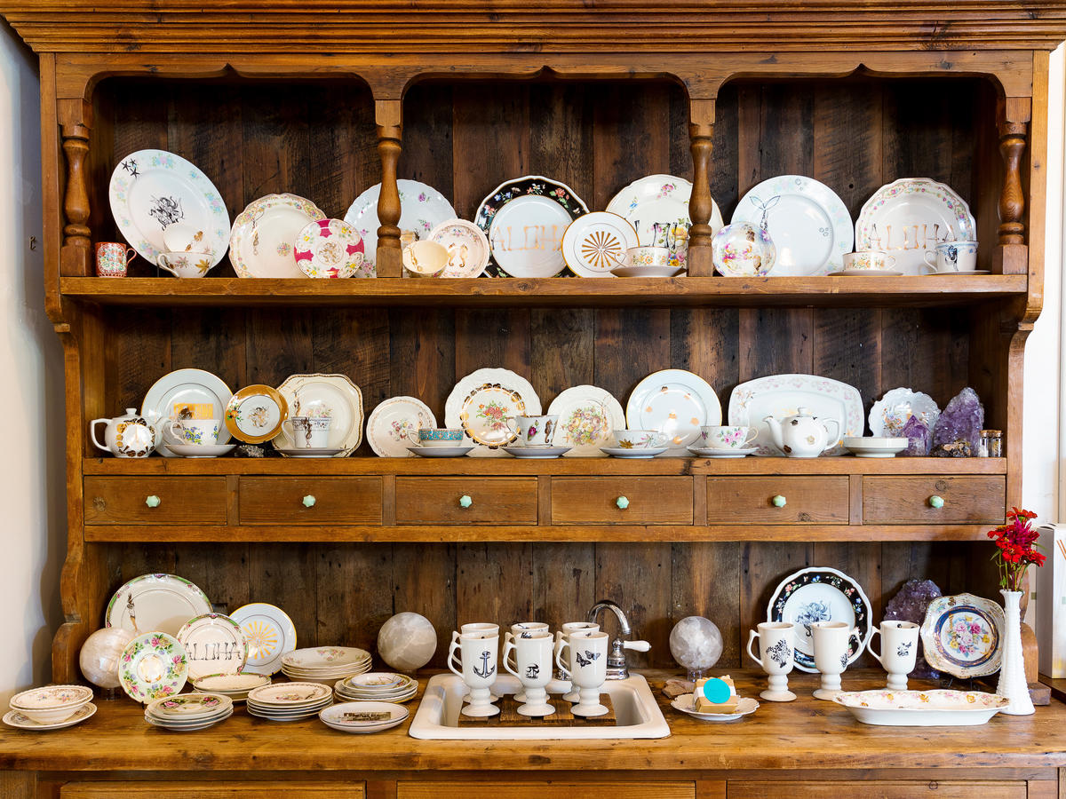 Vintage China at Wings Hawaii