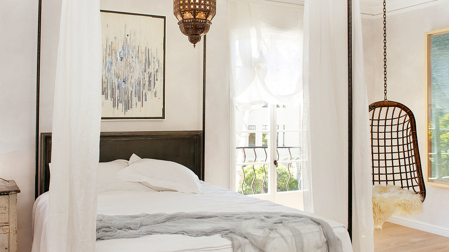 How to Decorate for Your Bed Style