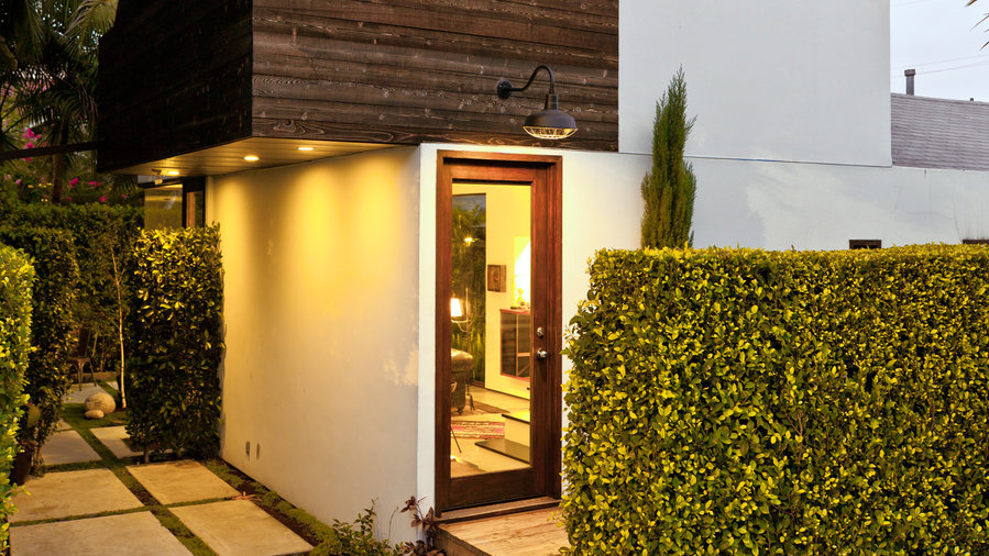 6 design tricks for a small home sunset magazine for Small house design tricks