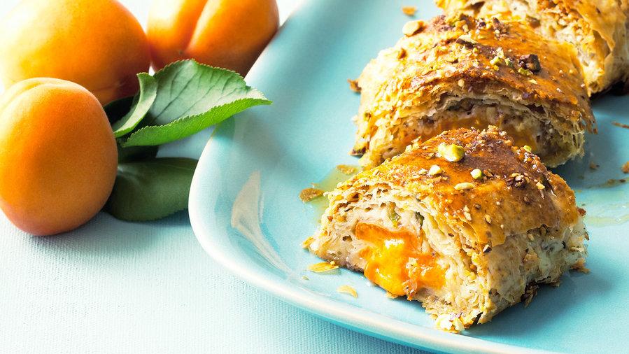 Watch Healthy Dessert Recipe: Grilled Pineapple Sundaes video