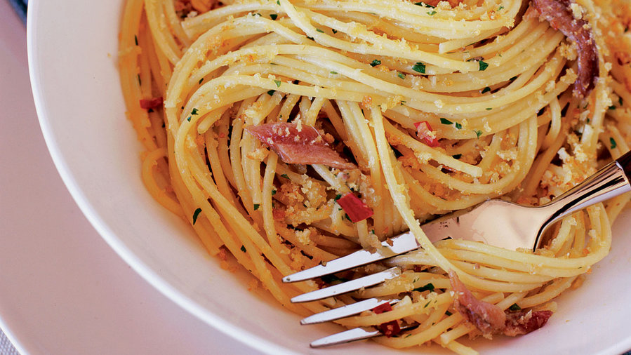 Spaghetti with Anchovies and Bread Crumbs