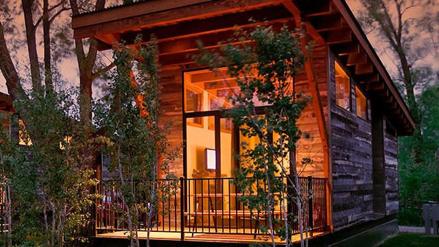 Vacation home rentals, fall camping, ghost towns—and more travel finds