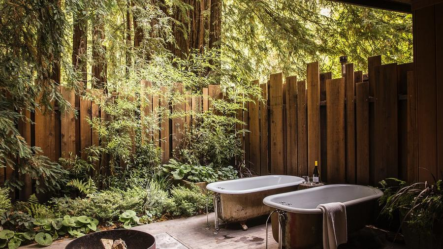 The Big Sur Cabin At Glen Oaks Has What Is Maybe The Most Inviting Tub  Situation Weu0027ve Yet Seen. (Photo Courtesy Of Glen Oaks Big Sur.)