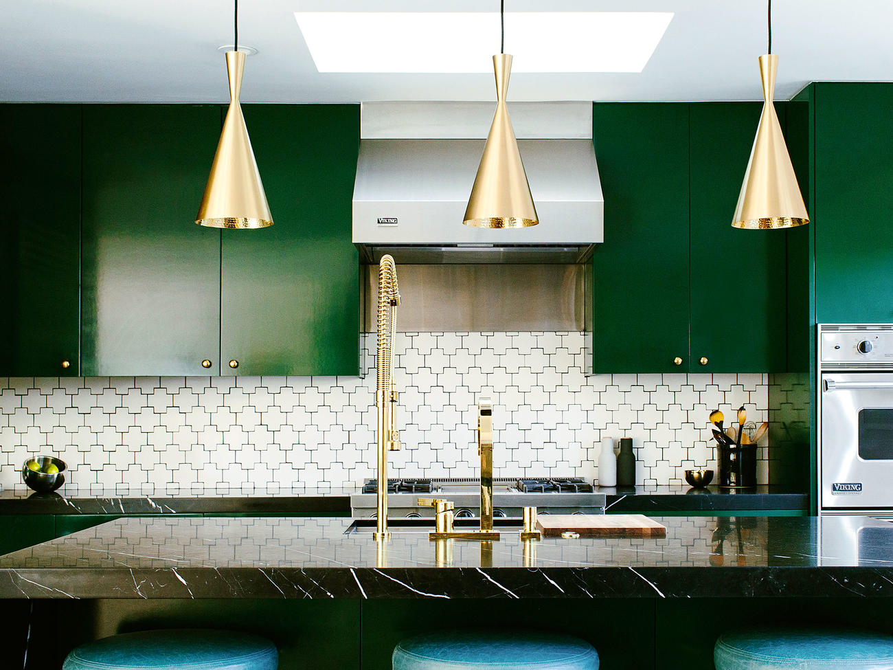 10 Inventive Kitchen Backsplashes