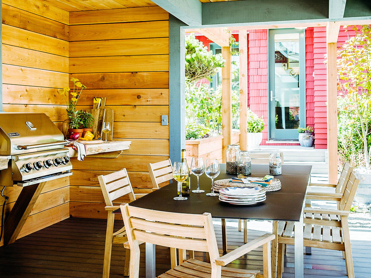 10 Favorite Outdoor Kitchens