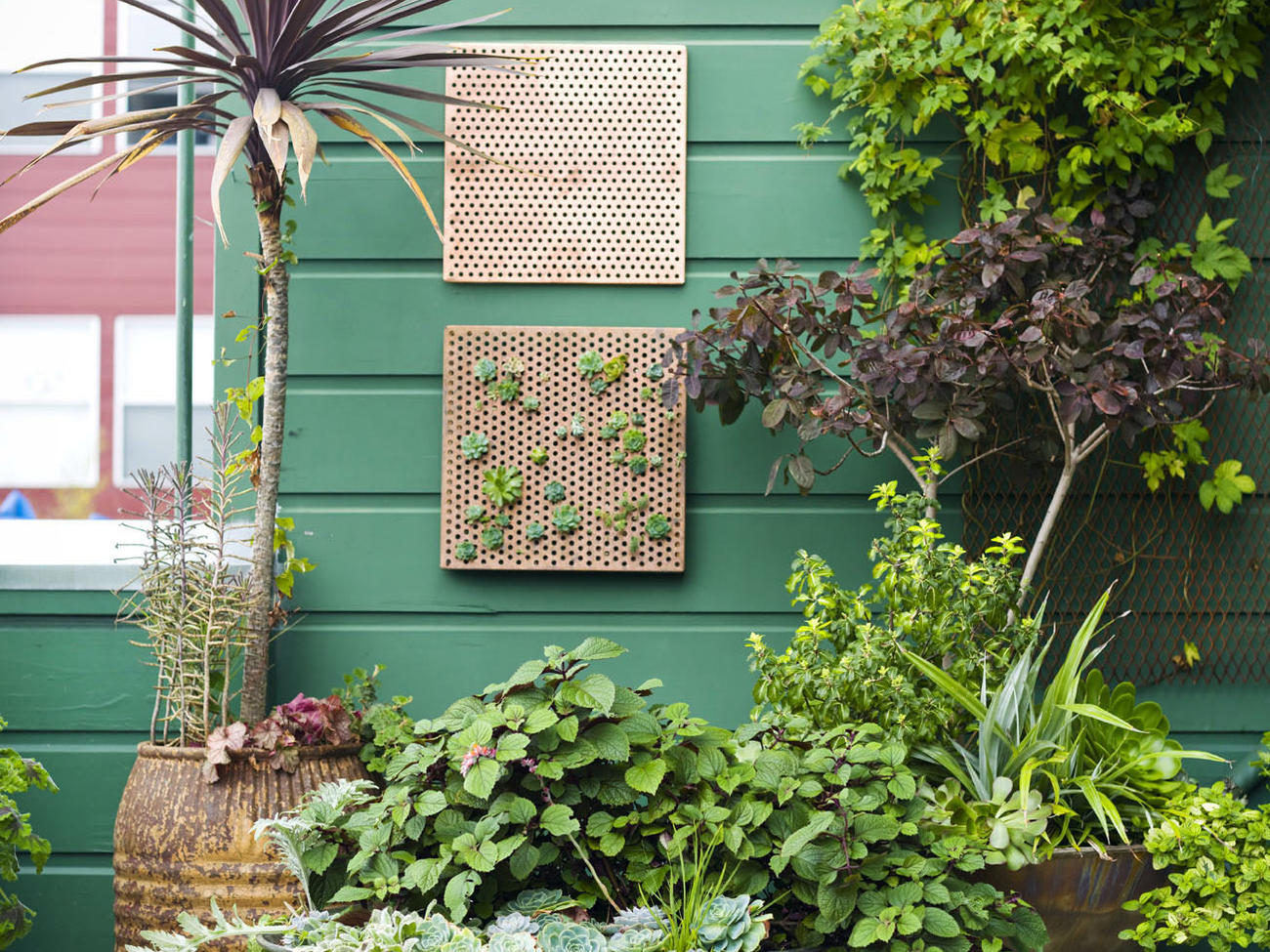 5 Tricks for a Small Urban Garden
