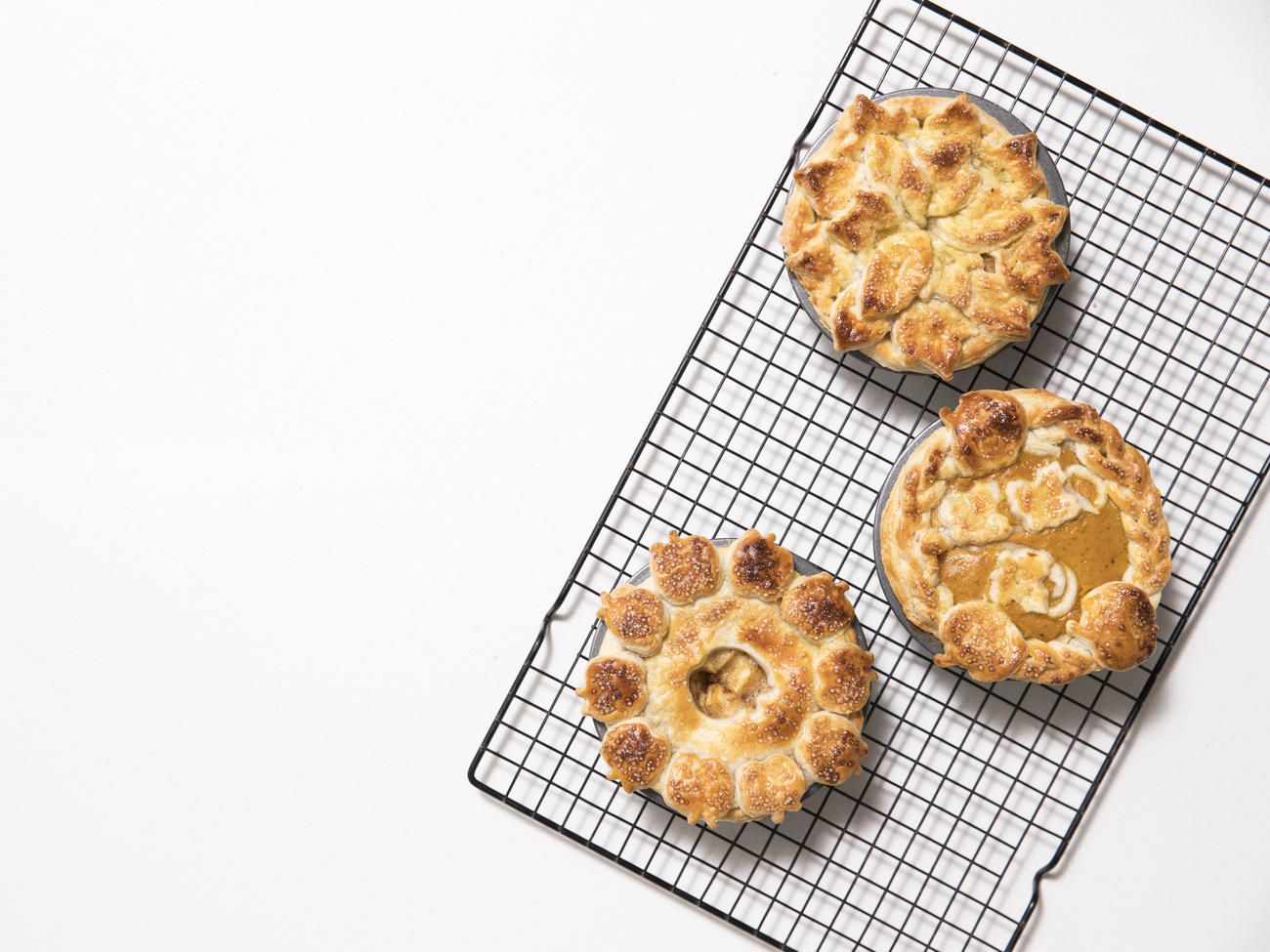 3 Ideas for Fall Pie Crusts