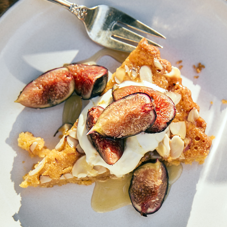 su-Almond Torte with Grilled Figs Image