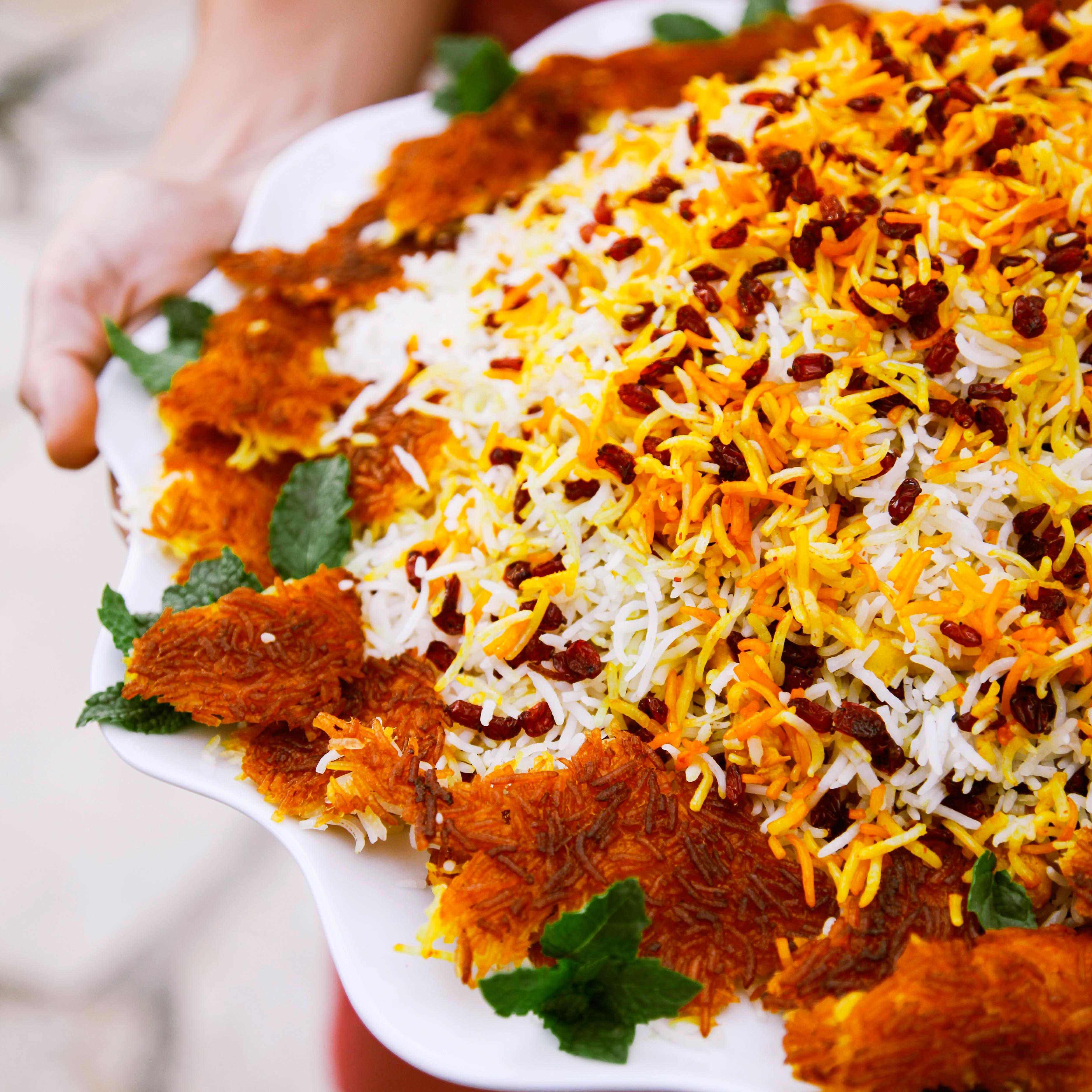 Saffron chicken recipe sunset magazine saffron chicken forumfinder Images