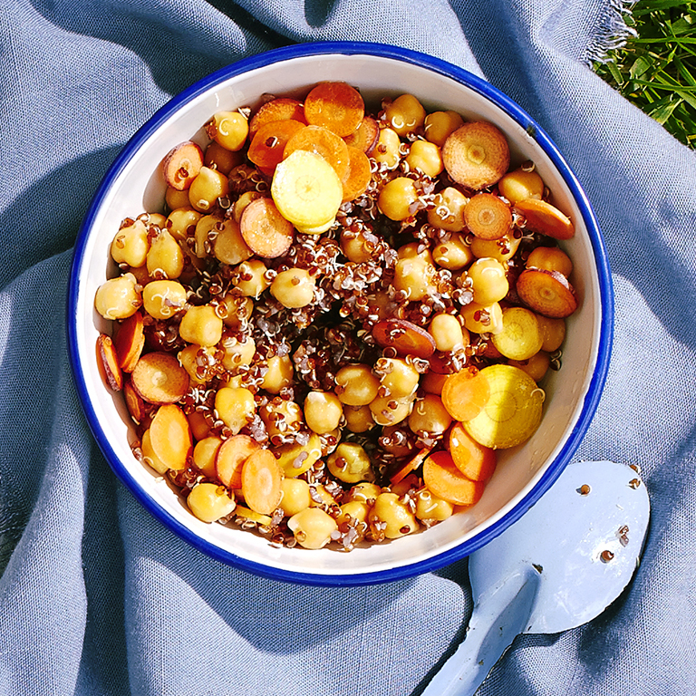 su-Carrot Salad with Red Quinoa and Chickpeas Image