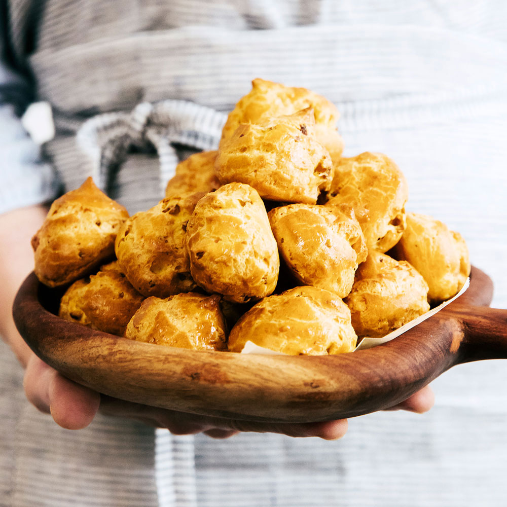 su-Green Olive Cheese Puffs Image