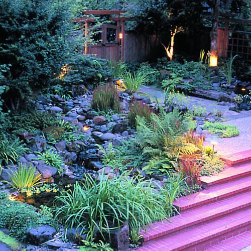 Native Home Garden Design: A Dramatic Entry To A Wright House