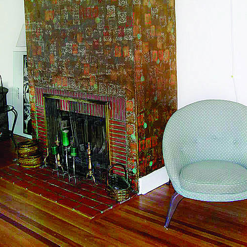 Chic fireplace (before)