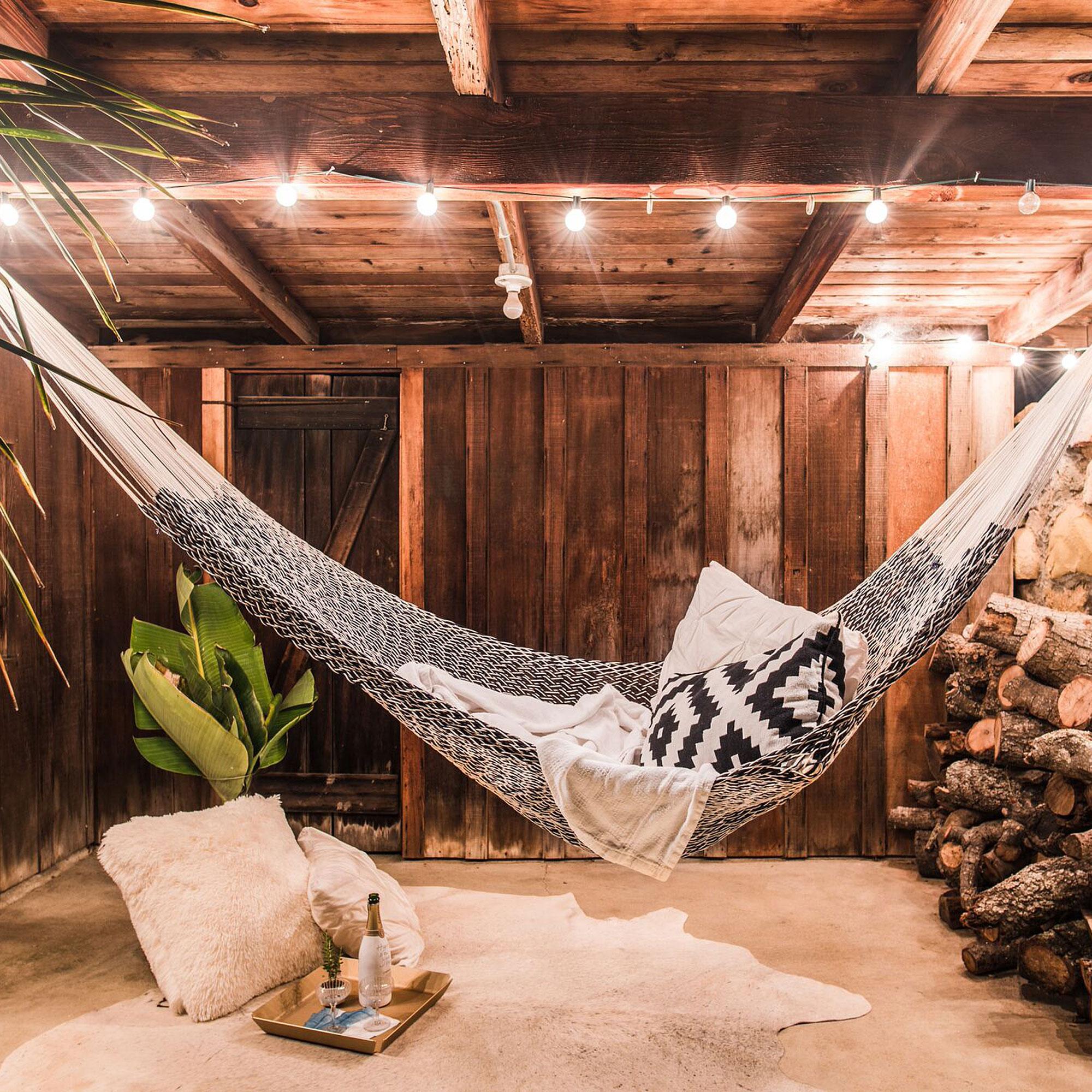 12 perfect hammocks hanging chairs sunset magazine for Rope hammock plans