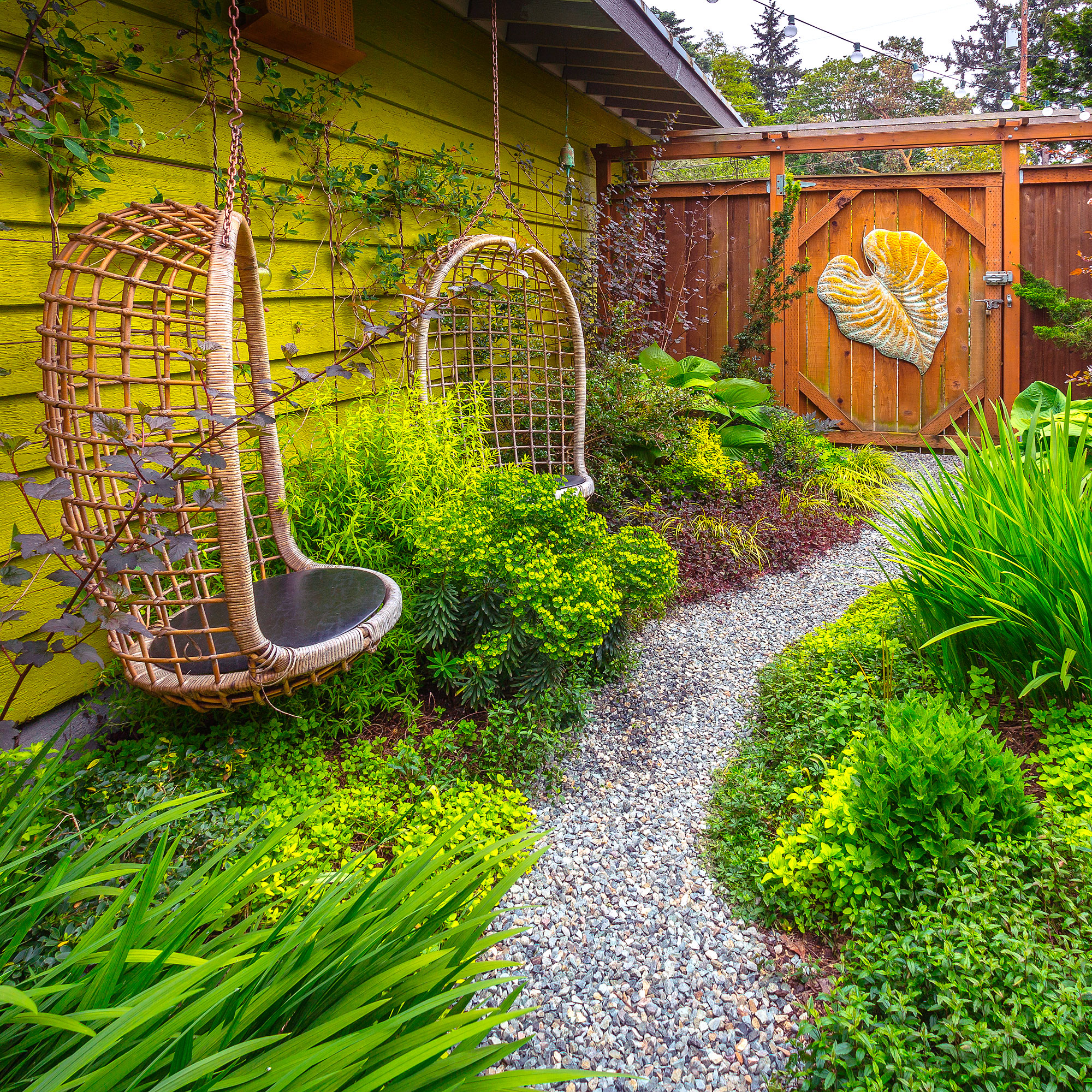 How To Design A Vibrantly Colorful Garden