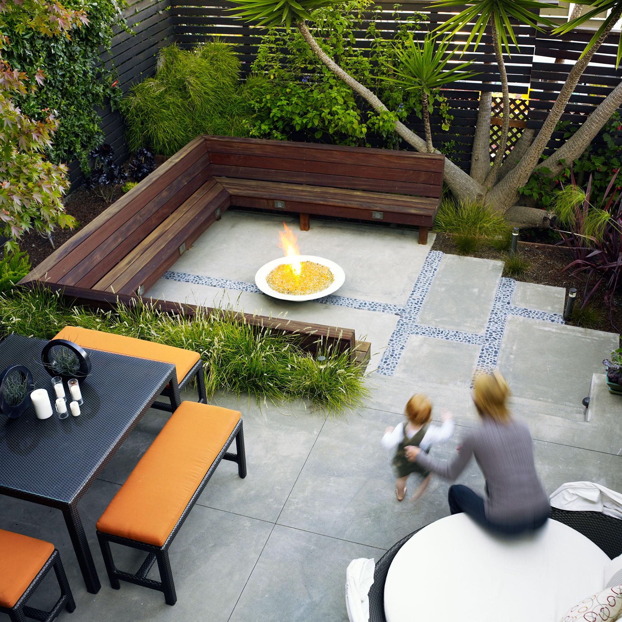 18 Favorite Outdoor Rooms - Sunset Magazine on Split Level Backyard Ideas id=40594