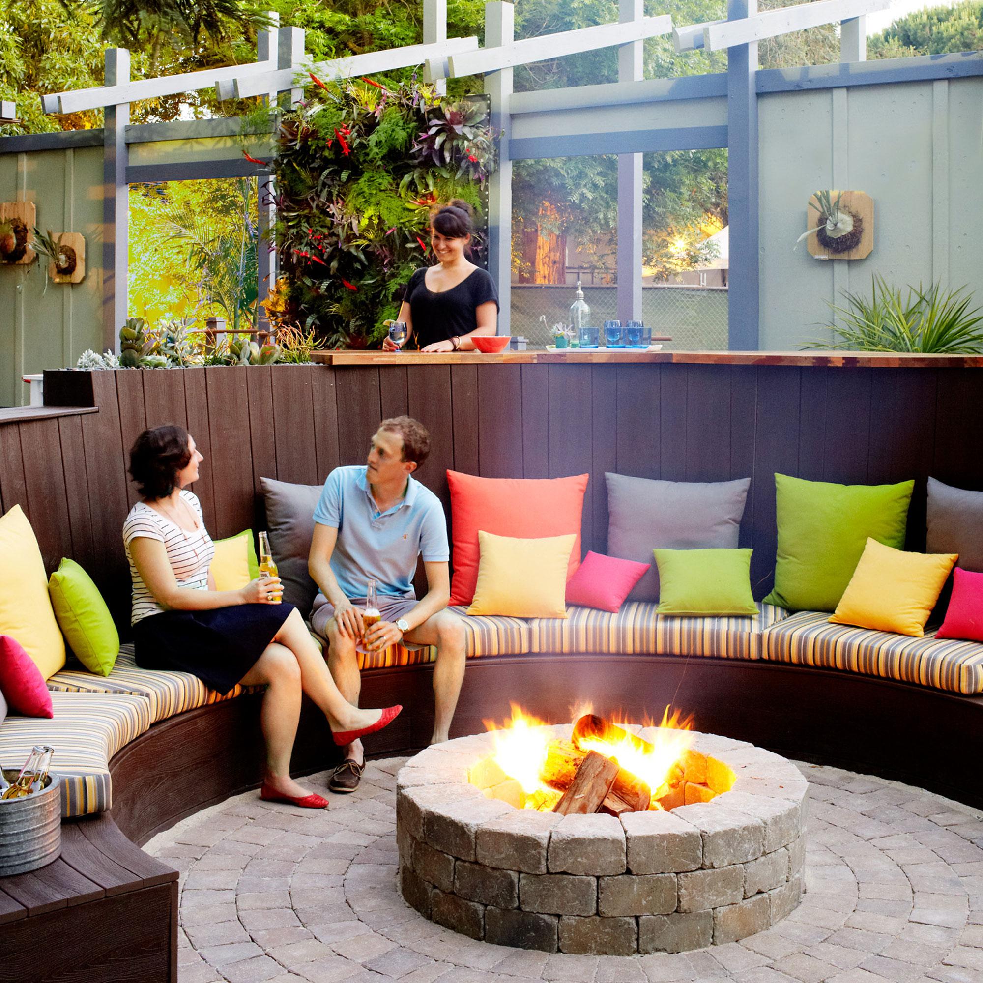 18 Favorite Outdoor Rooms - Sunset Magazine