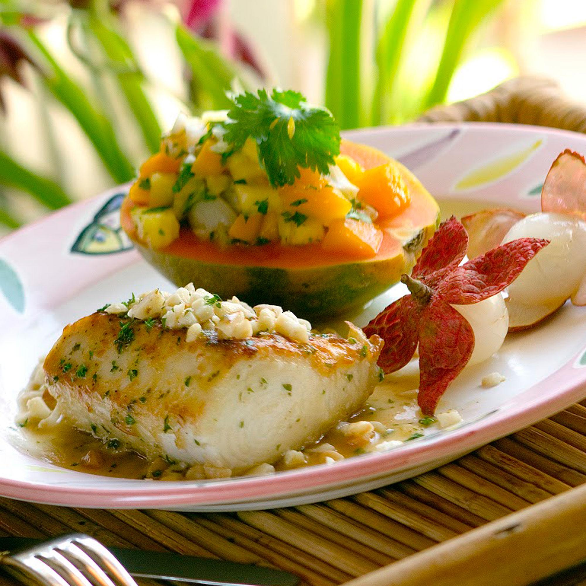Essential guide to maui sunset magazine for Mamas fish house maui menu