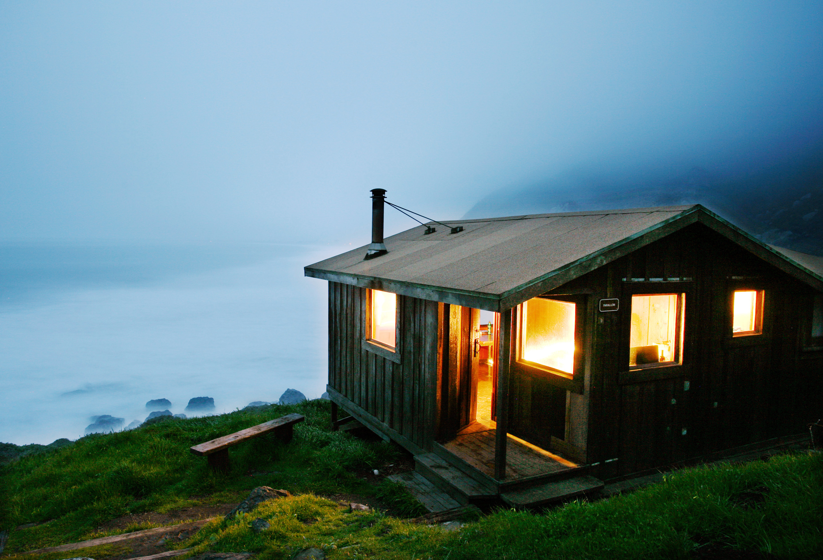 Best cabins for getaways sunset sunset magazine for Cabins near mount magazine