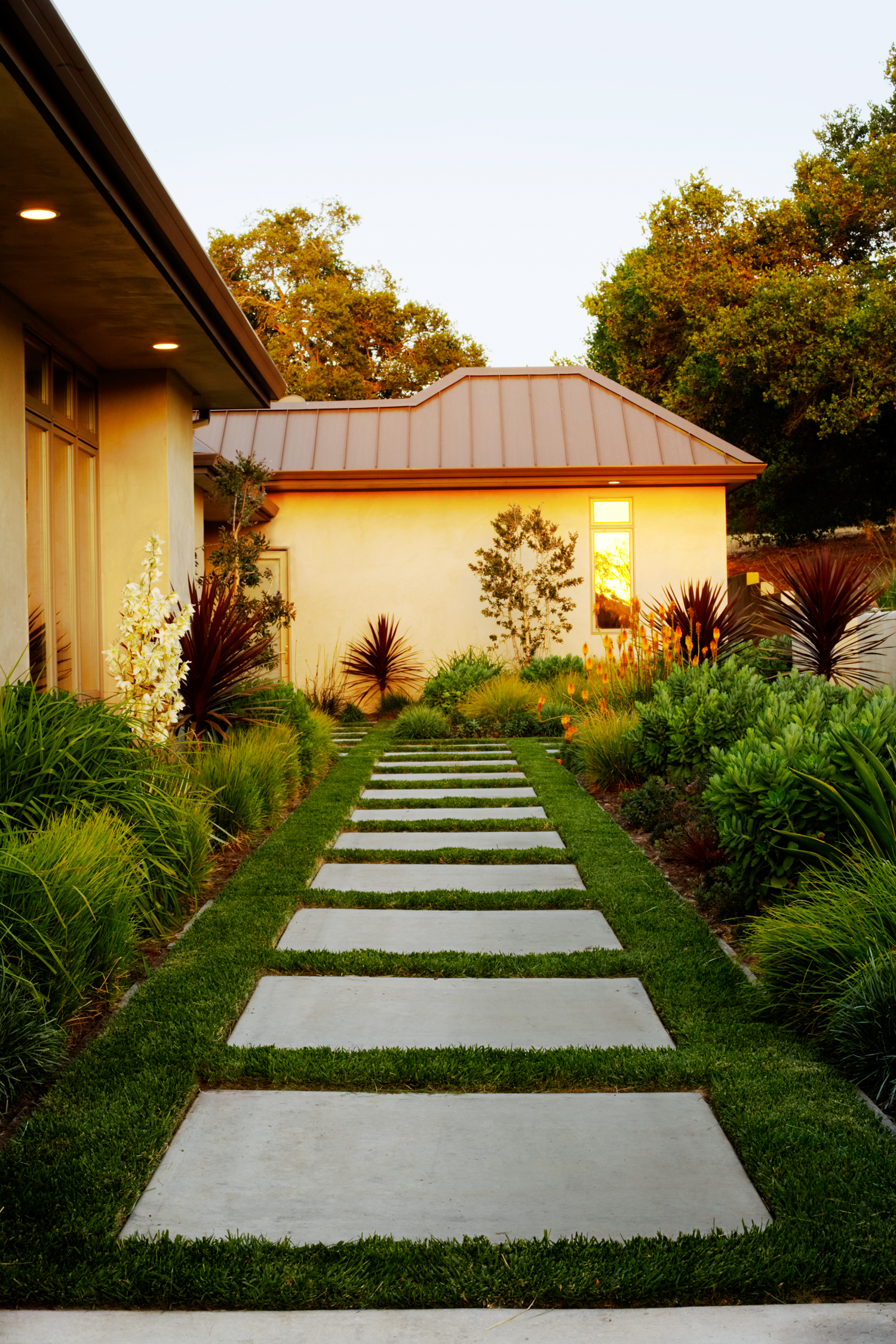 23 Small Yard Design Solutions - Sunset Magazine