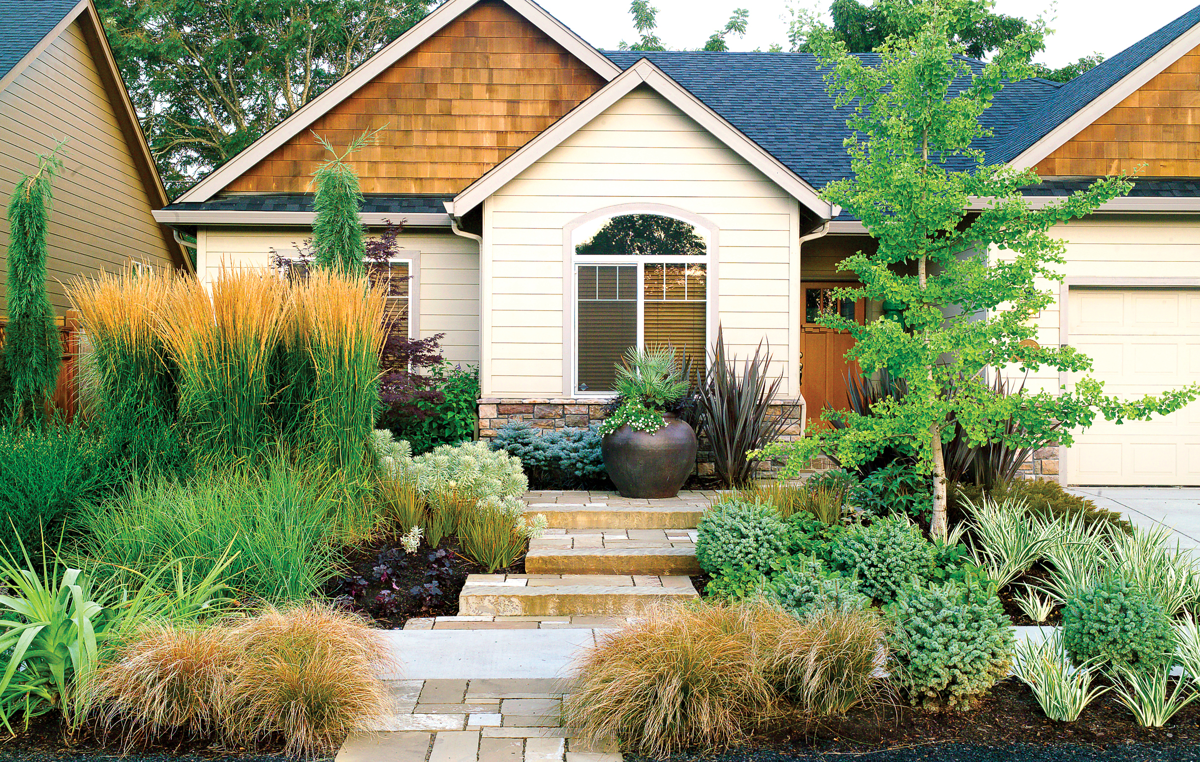 Landscaping ideas with stone sunset sunset magazine for Front of house magazine