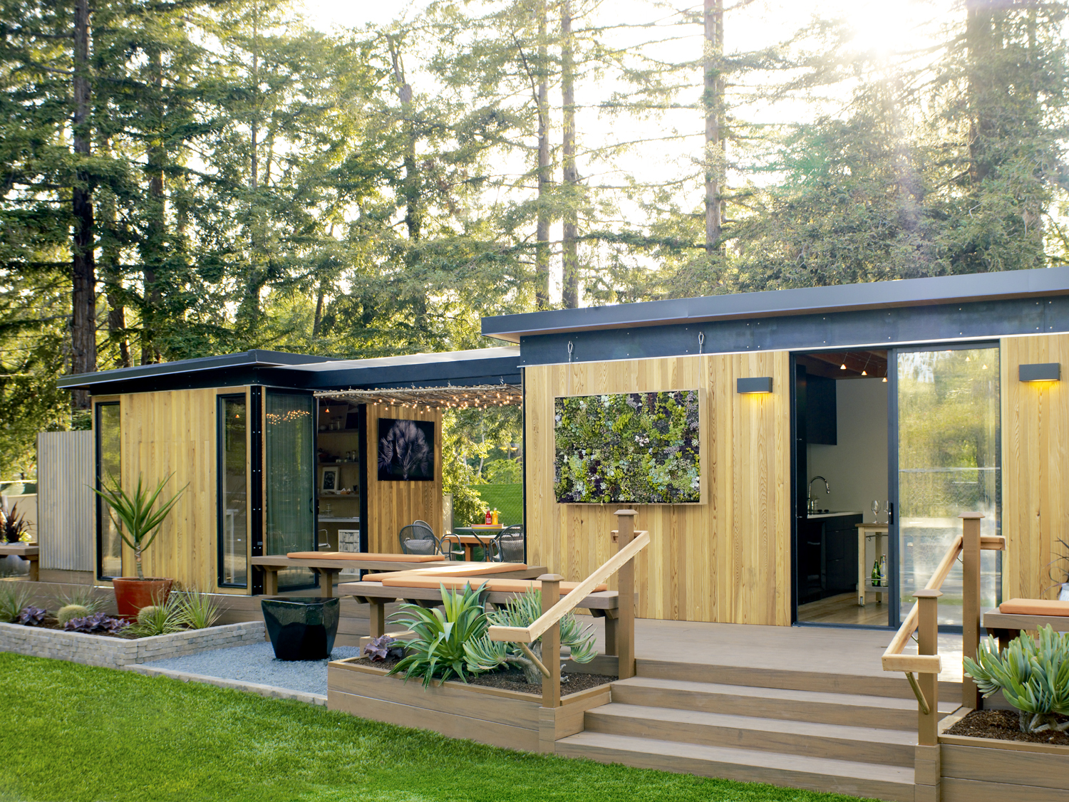 Creative ideas for backyard retreats detached home for Homes cottages magazine