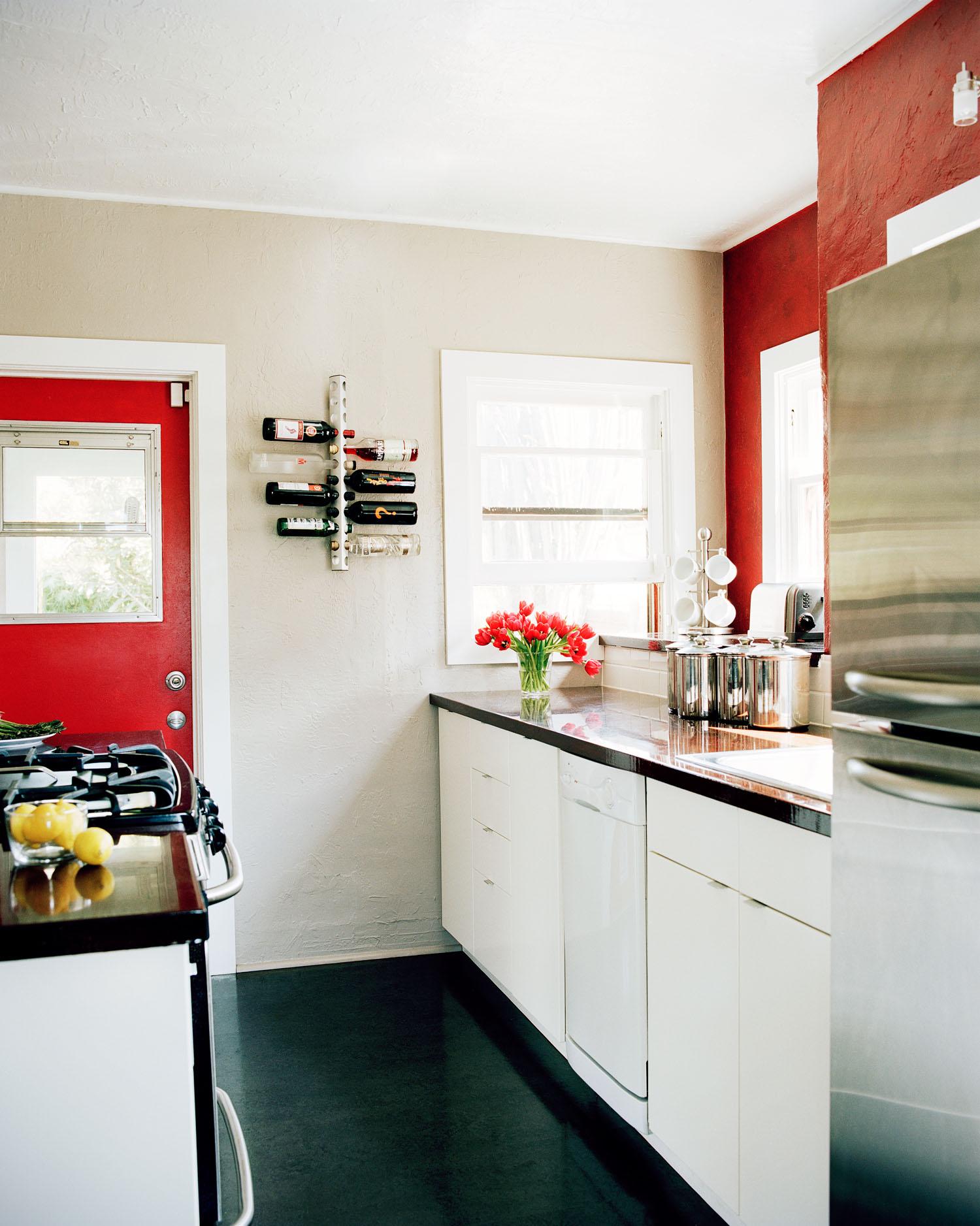 Stylish Living in 700 Square Feet - Sunset Magazine