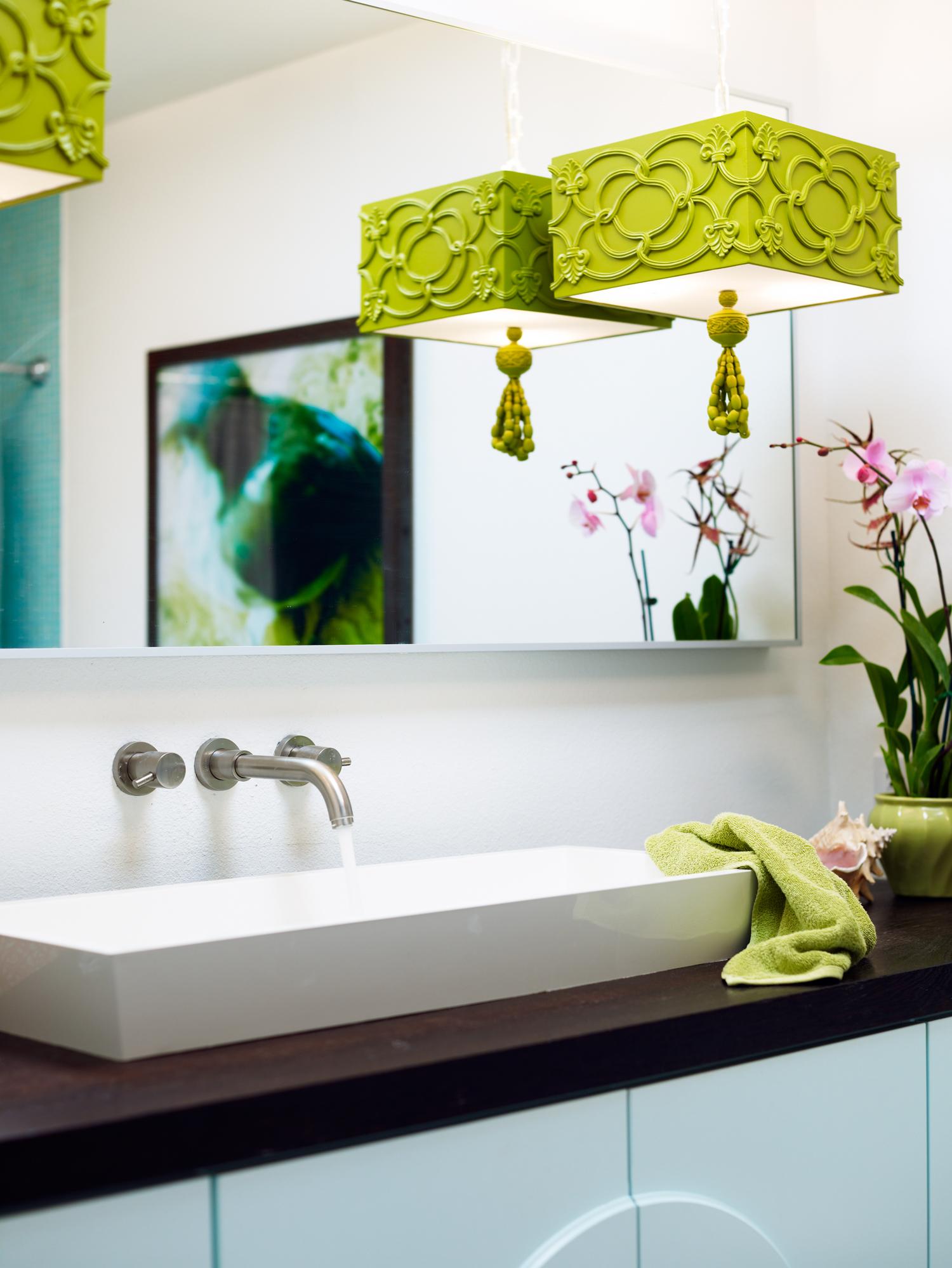 How A Las Vegas Bathroom Got A High Meets Low Revamp Plus