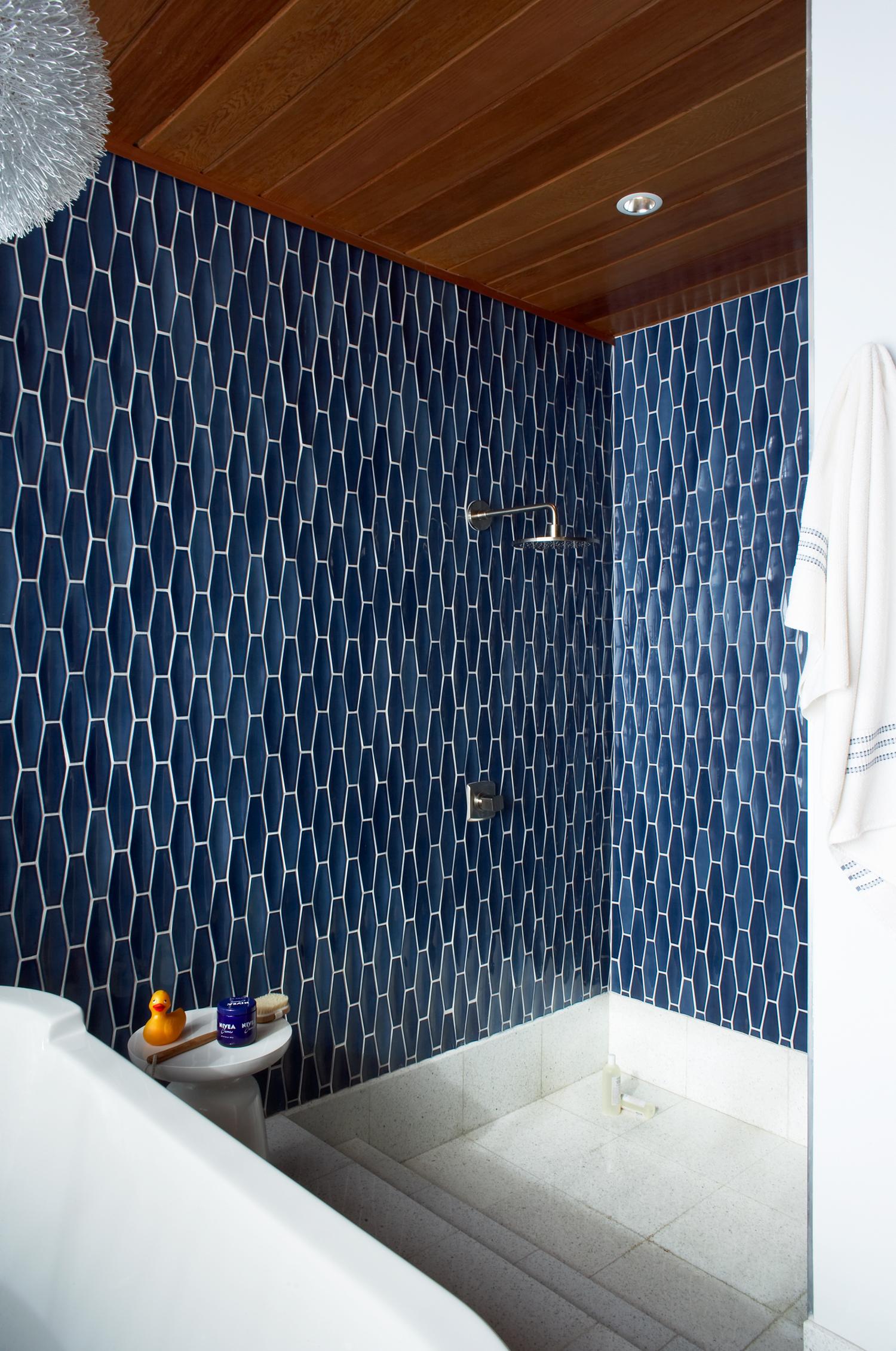 Fresh New Looks for a Bathroom - Sunset Magazine