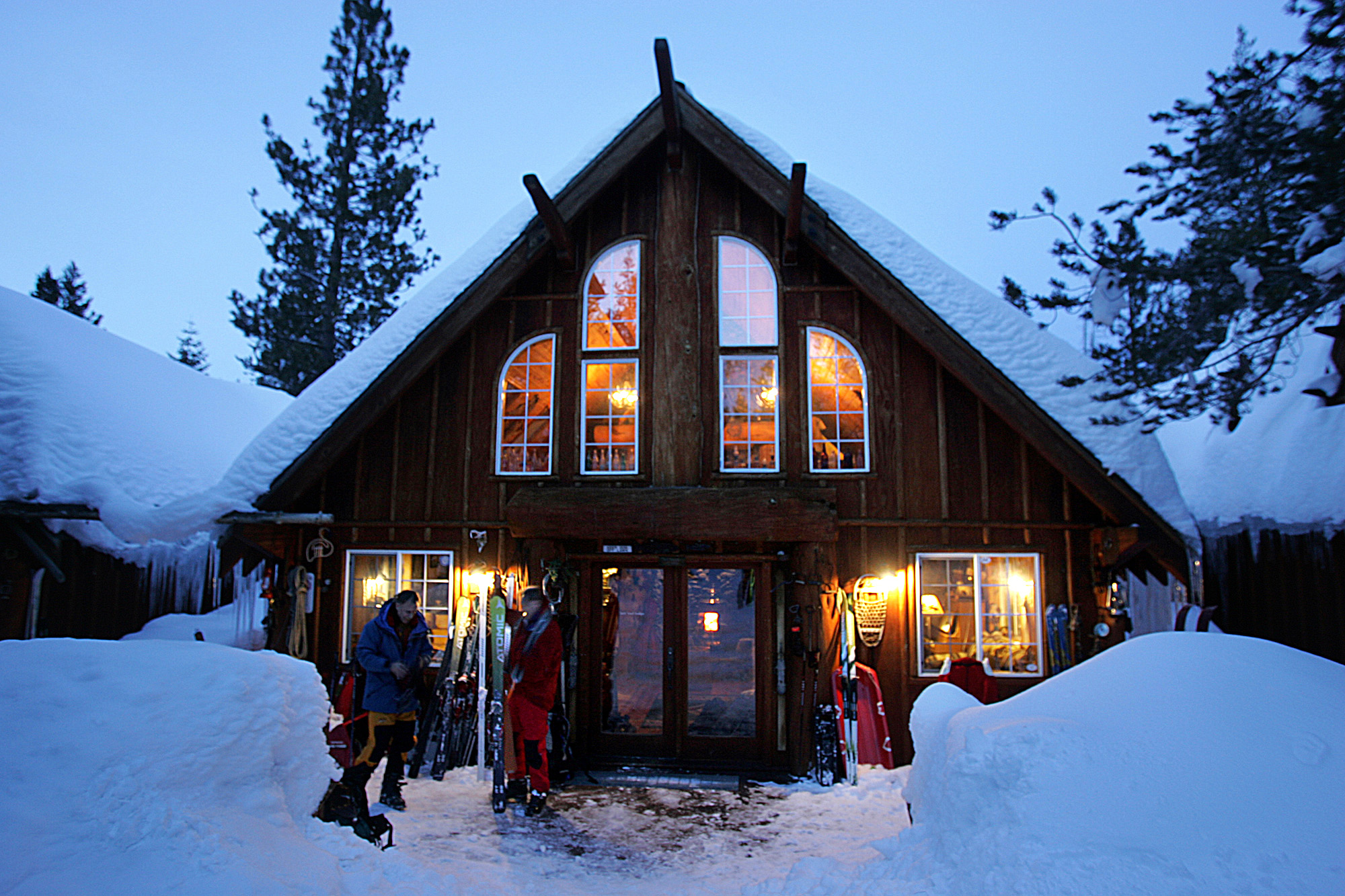 Cozy winter lodges sunset sunset magazine for Trail lodge
