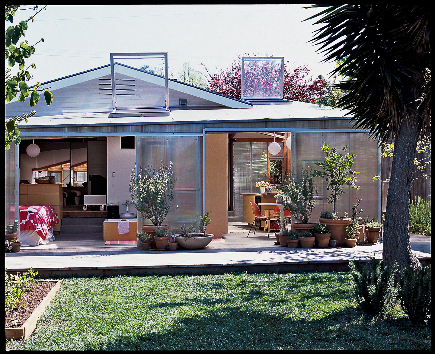 Sunny bungalow Great lessons in style and