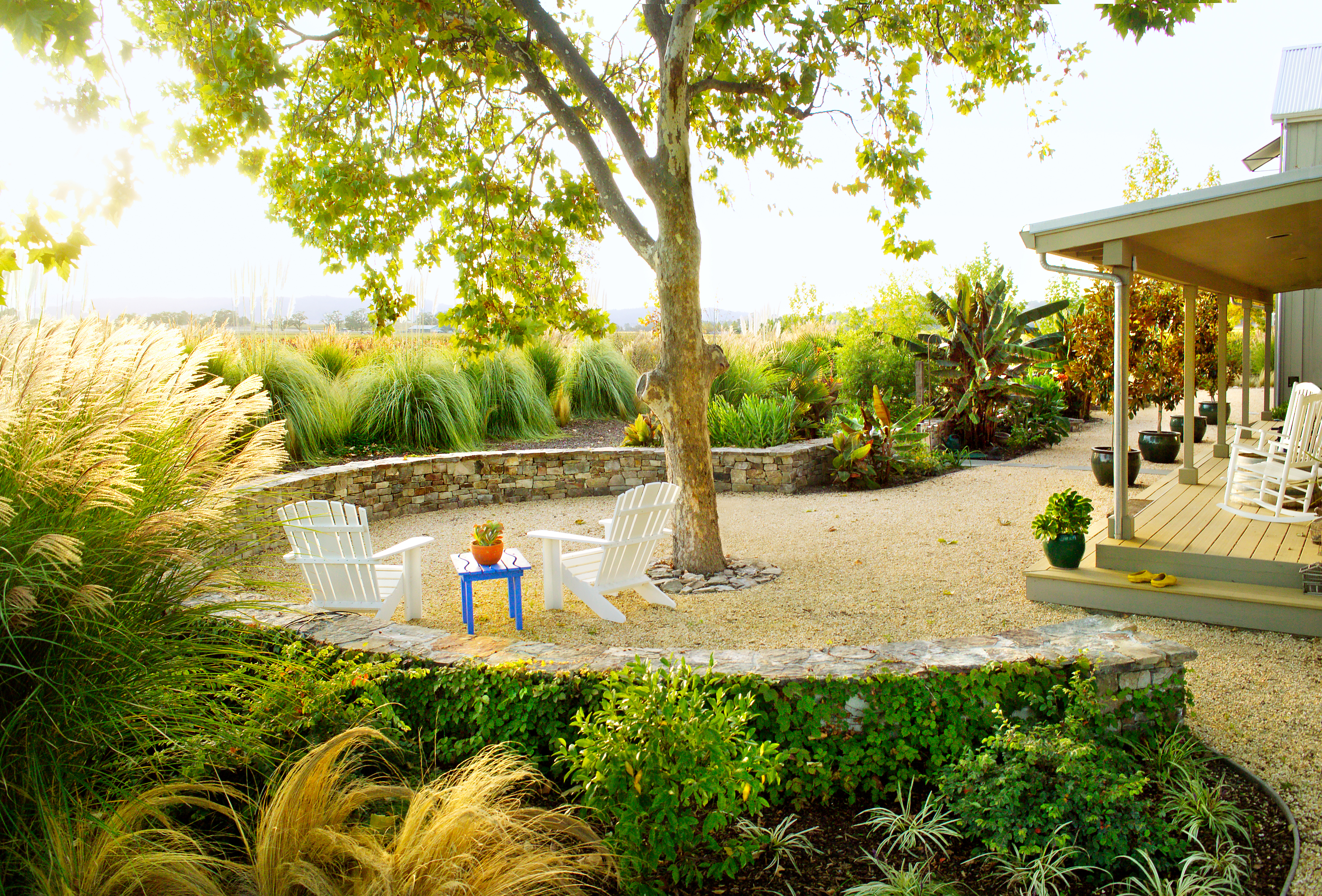 Country Cool Gravel Patio Design