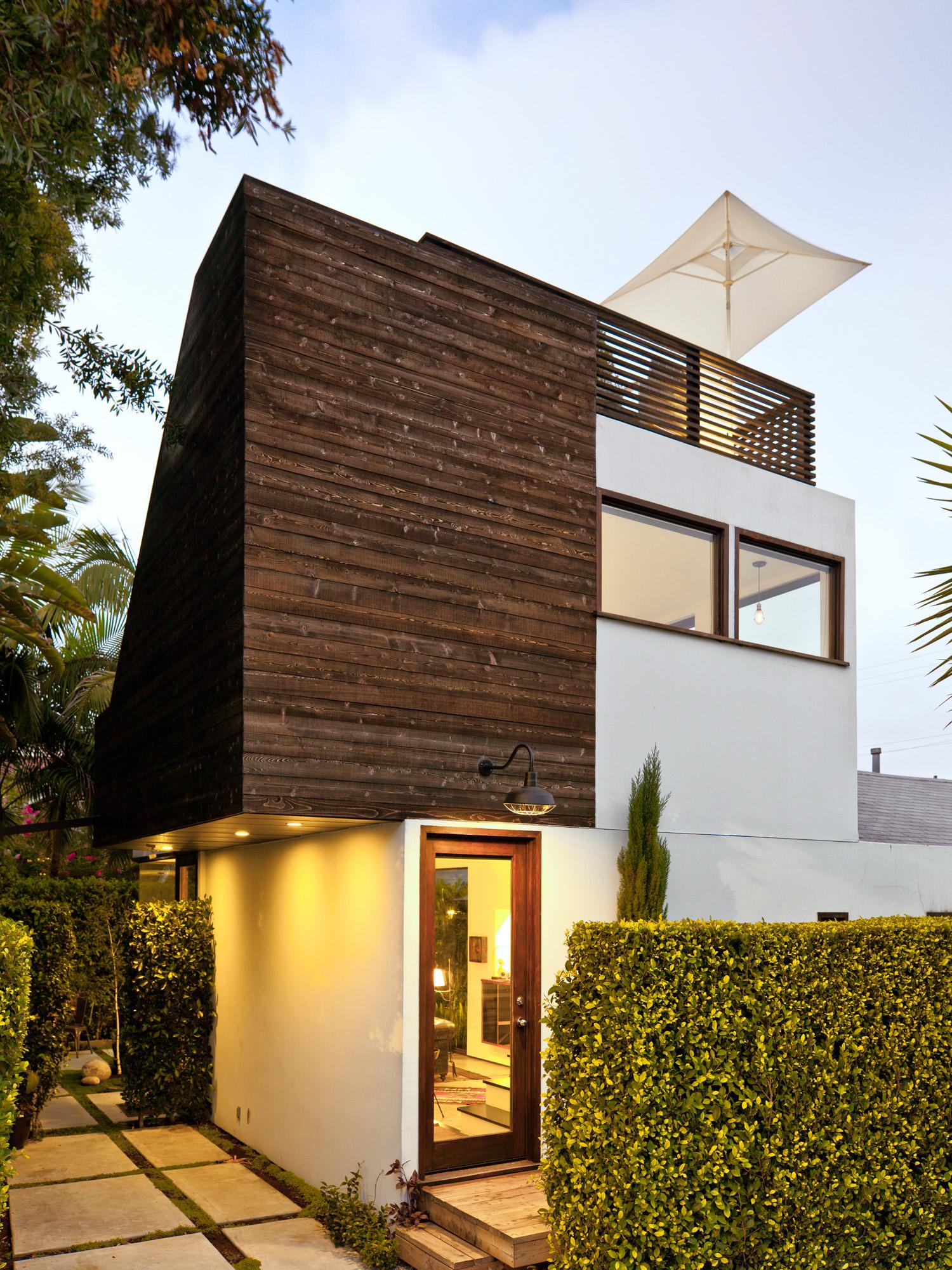 6 design tricks for a small home sunset magazine for Sunset magazine house plans