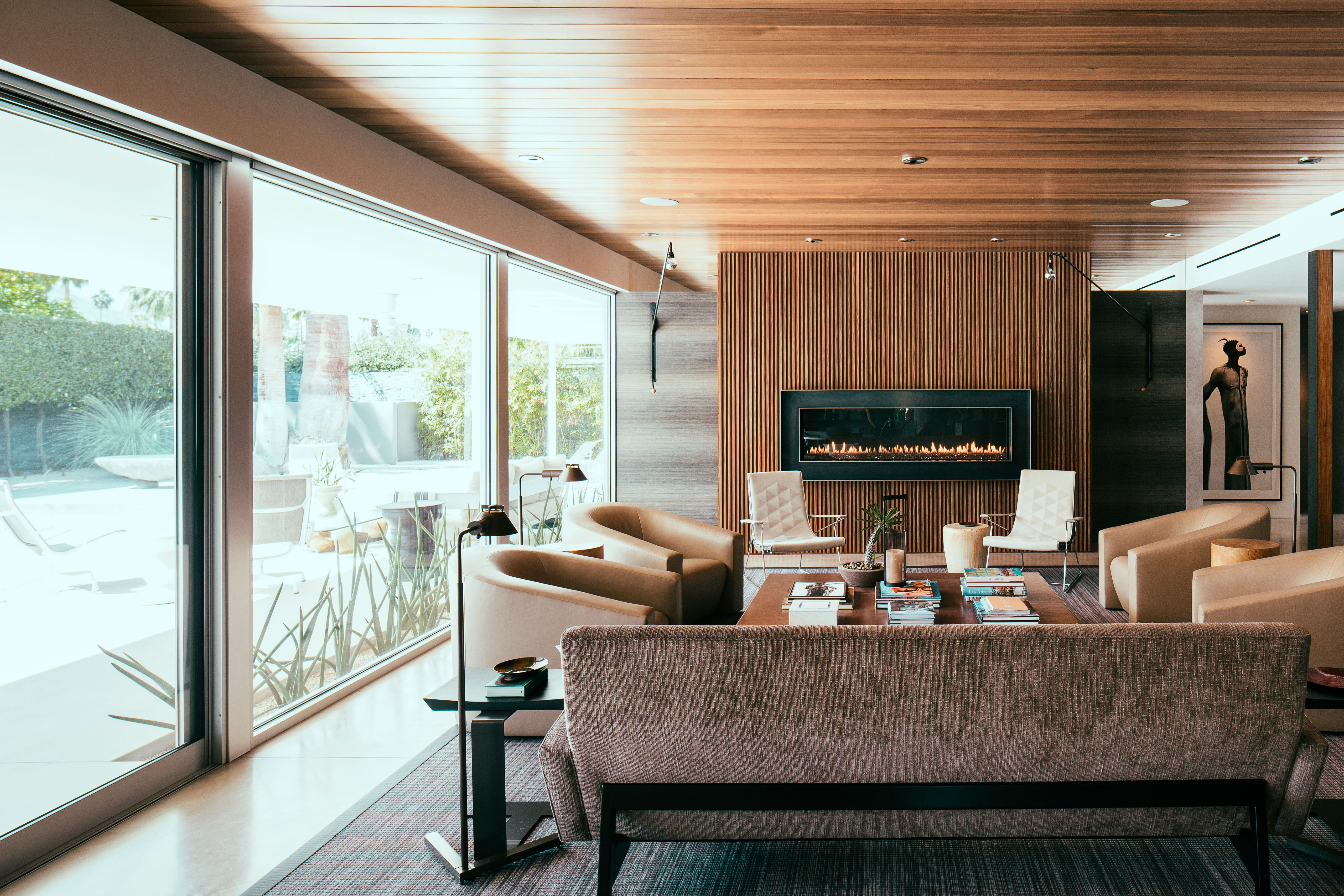 Before After Palm Springs Party Pad Becomes A Sleek Retreat Sunset Magazine