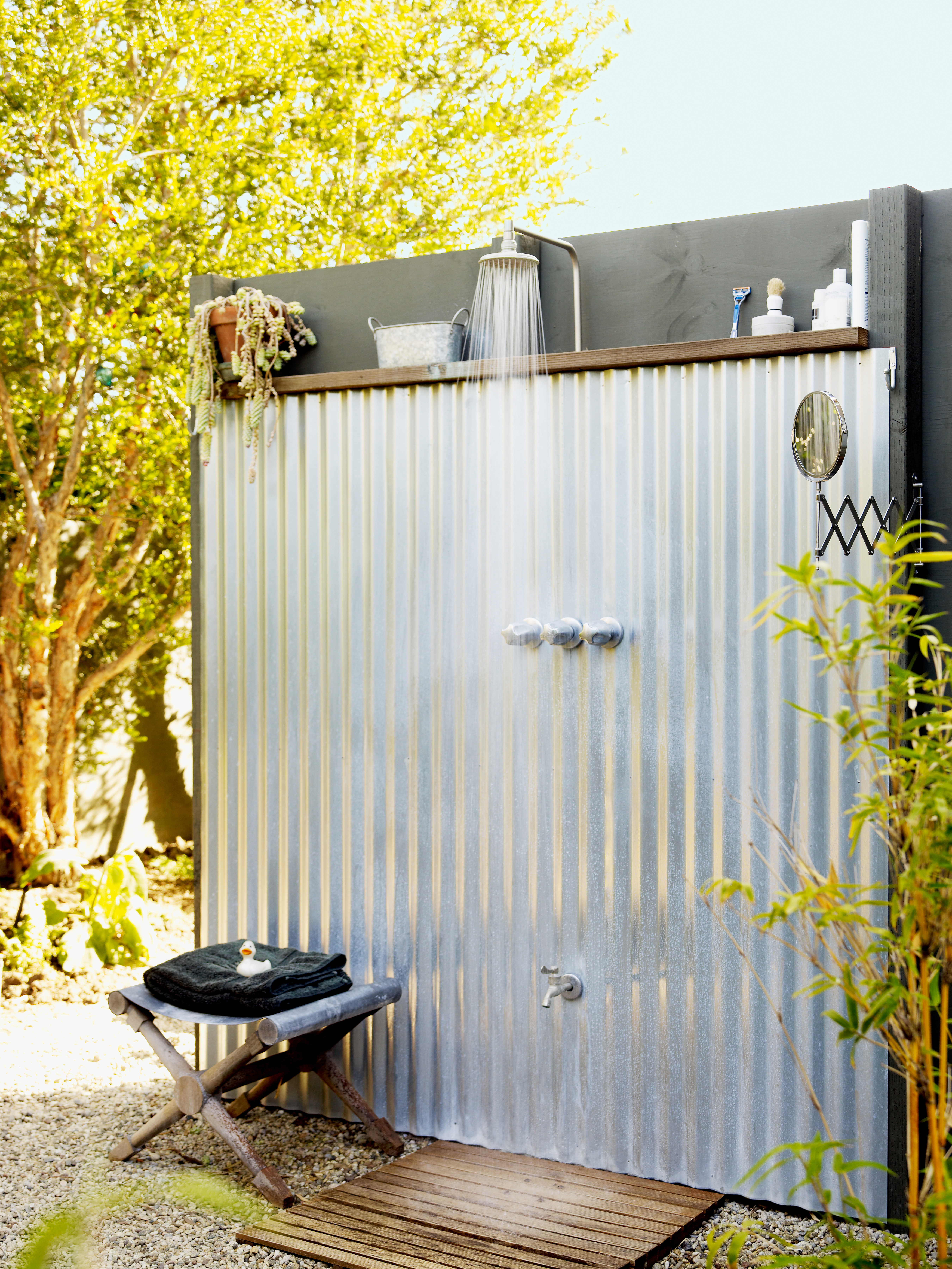 14 Refreshing Outdoor Showers - Sunset Magazine