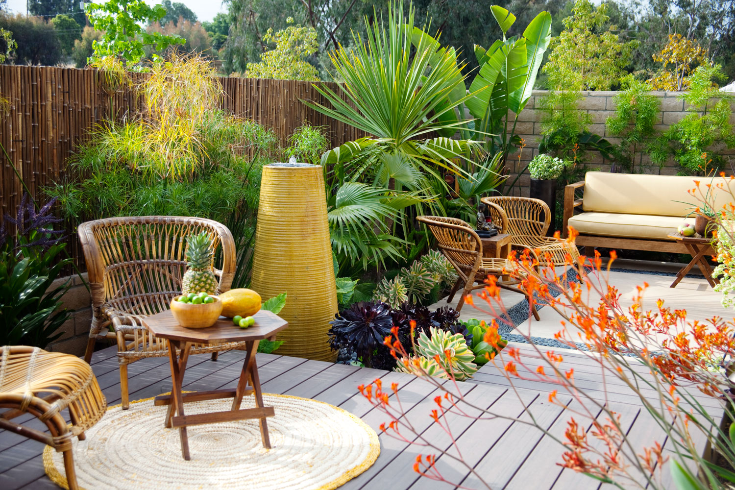 Care free garden design sunset magazine for Small patio landscaping