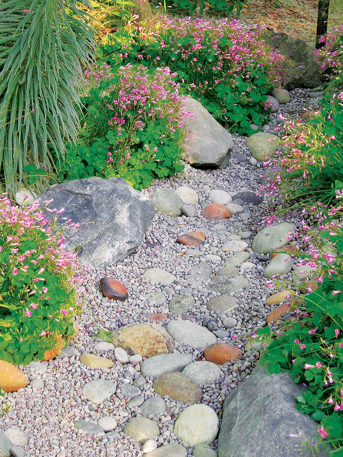 Build a Dry Creek Bed - Sunset Magazine