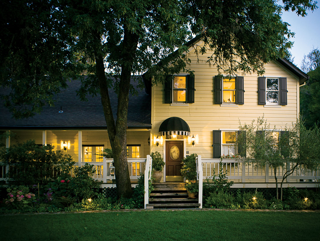 The exterior of the Farmhouse Inn in Sonoma, CA.