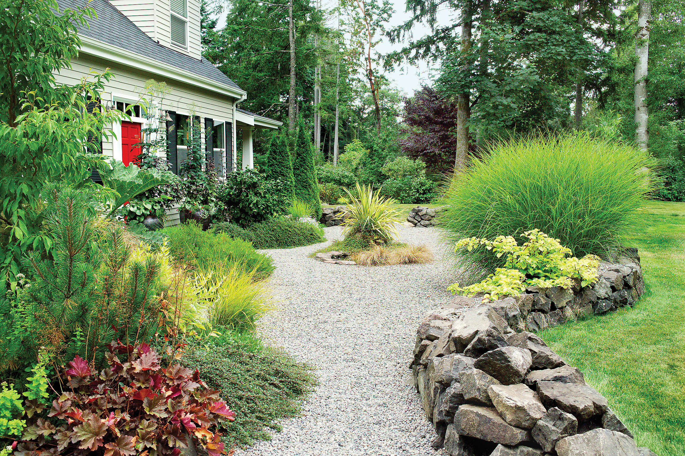 Landscaping with gravel sunset magazine Backyard designs with gravel