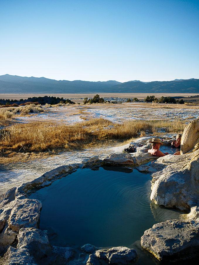 California\'s Eastern Sierra natural hot springs - Sunset Magazine