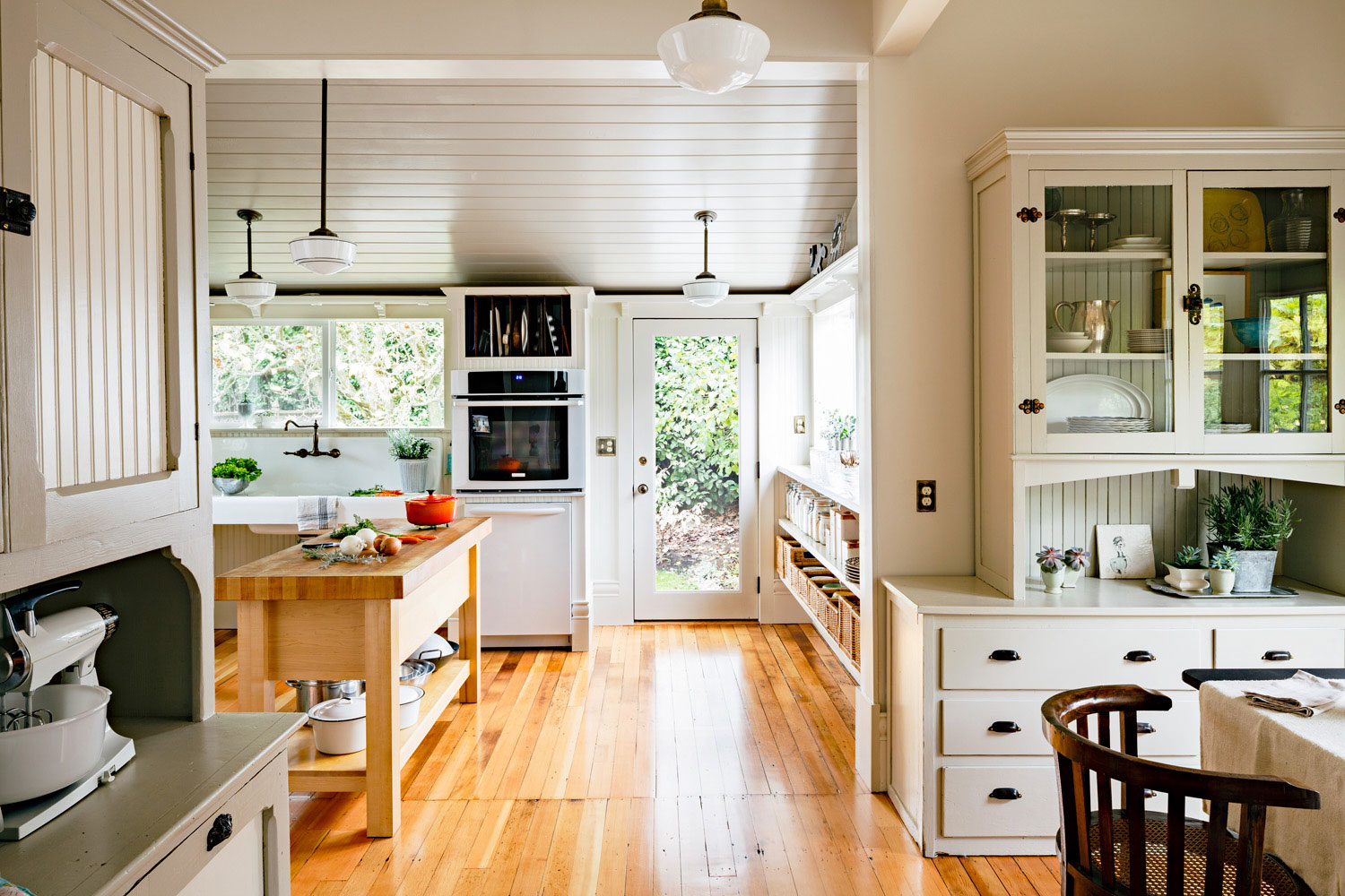 A resourceful Portland designer reawakened her Victorian kitchen by ...