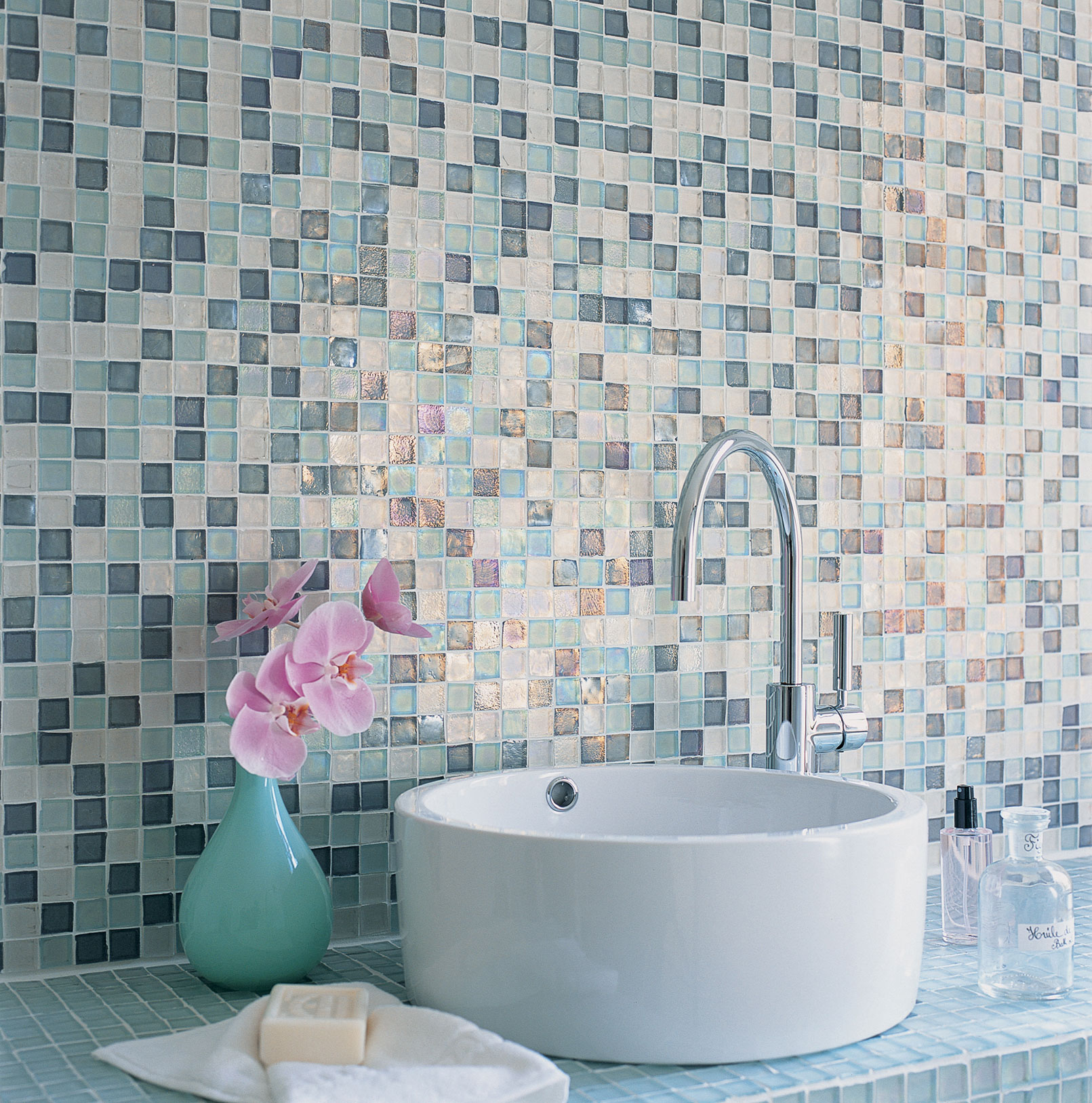 Give your bathroom a new look with these creative ideas for walls ...