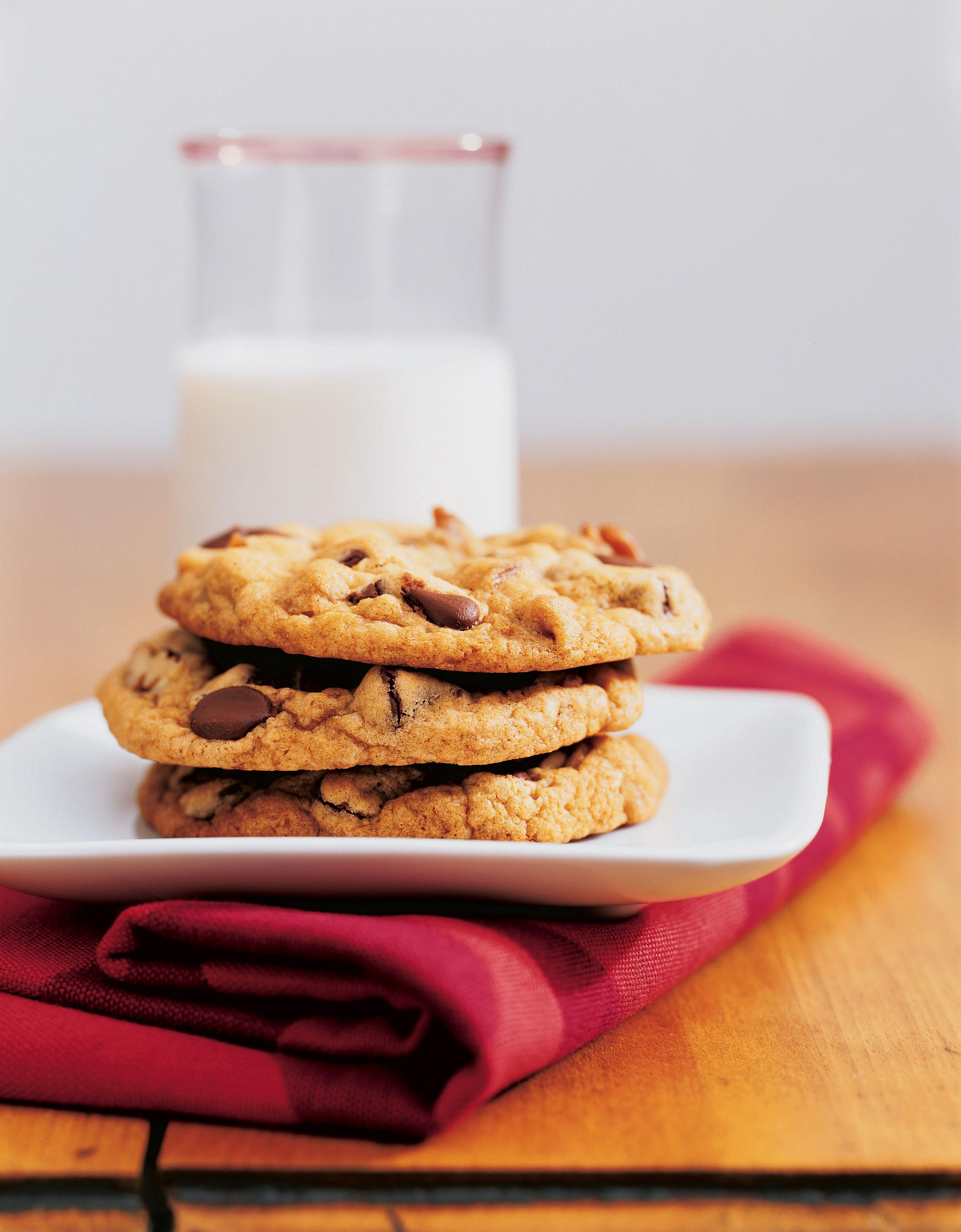 The Perfect Chocolate Chip Cookie Recipe - Sunset Magazine