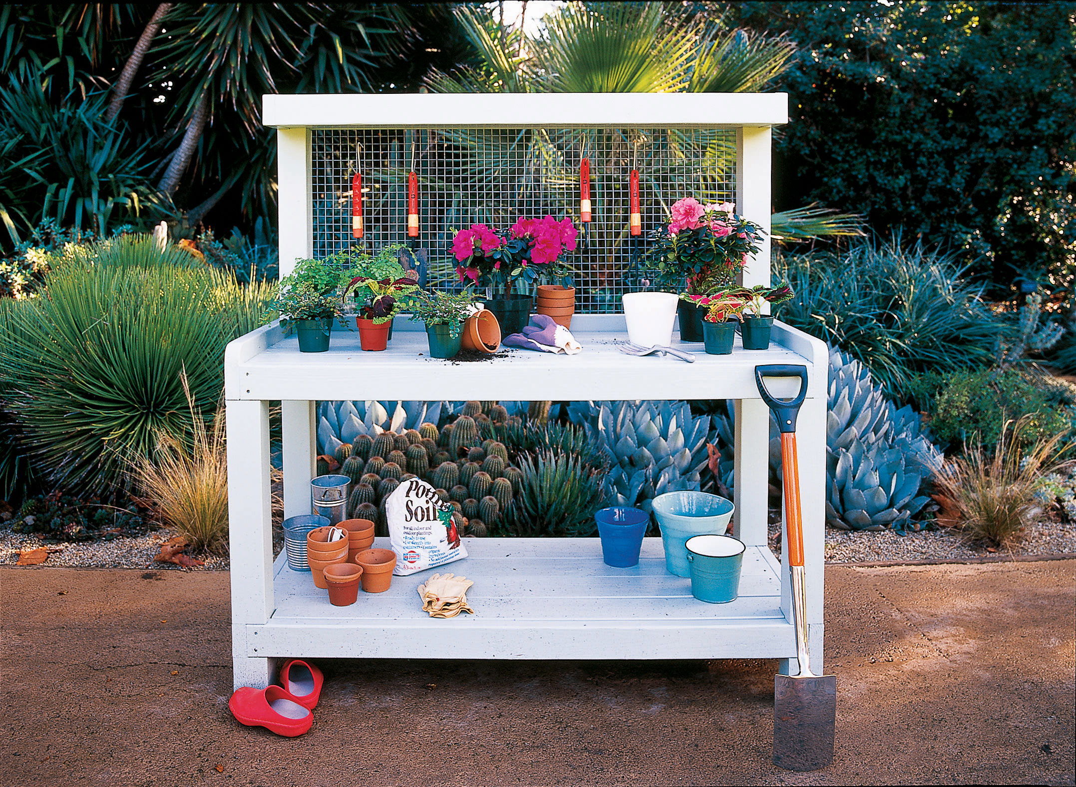 Phenomenal Backyard Potting Bench Sunset Magazine Uwap Interior Chair Design Uwaporg
