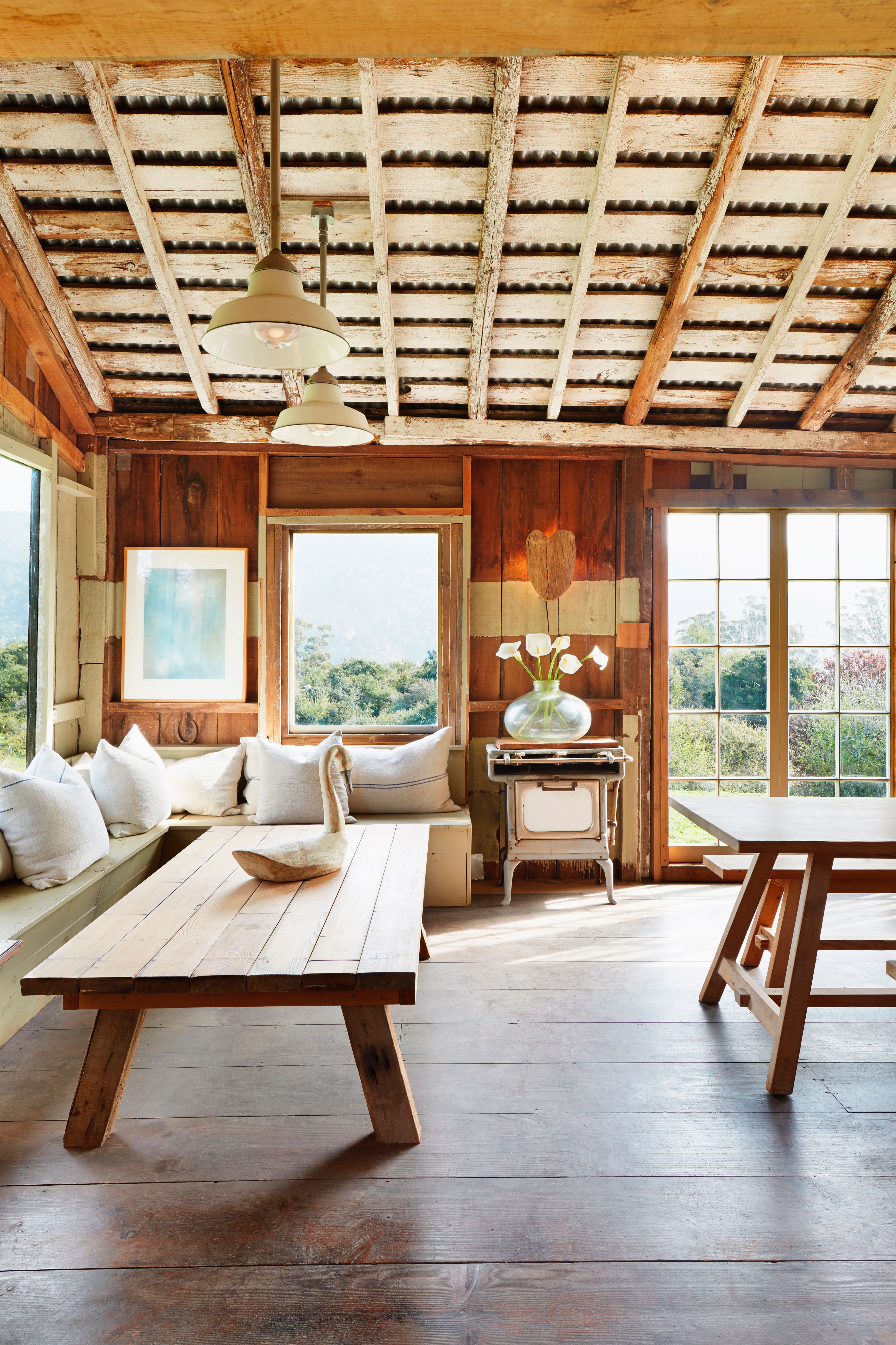 Rustic Living Room: 10 Super-Cozy Rustic Living Rooms