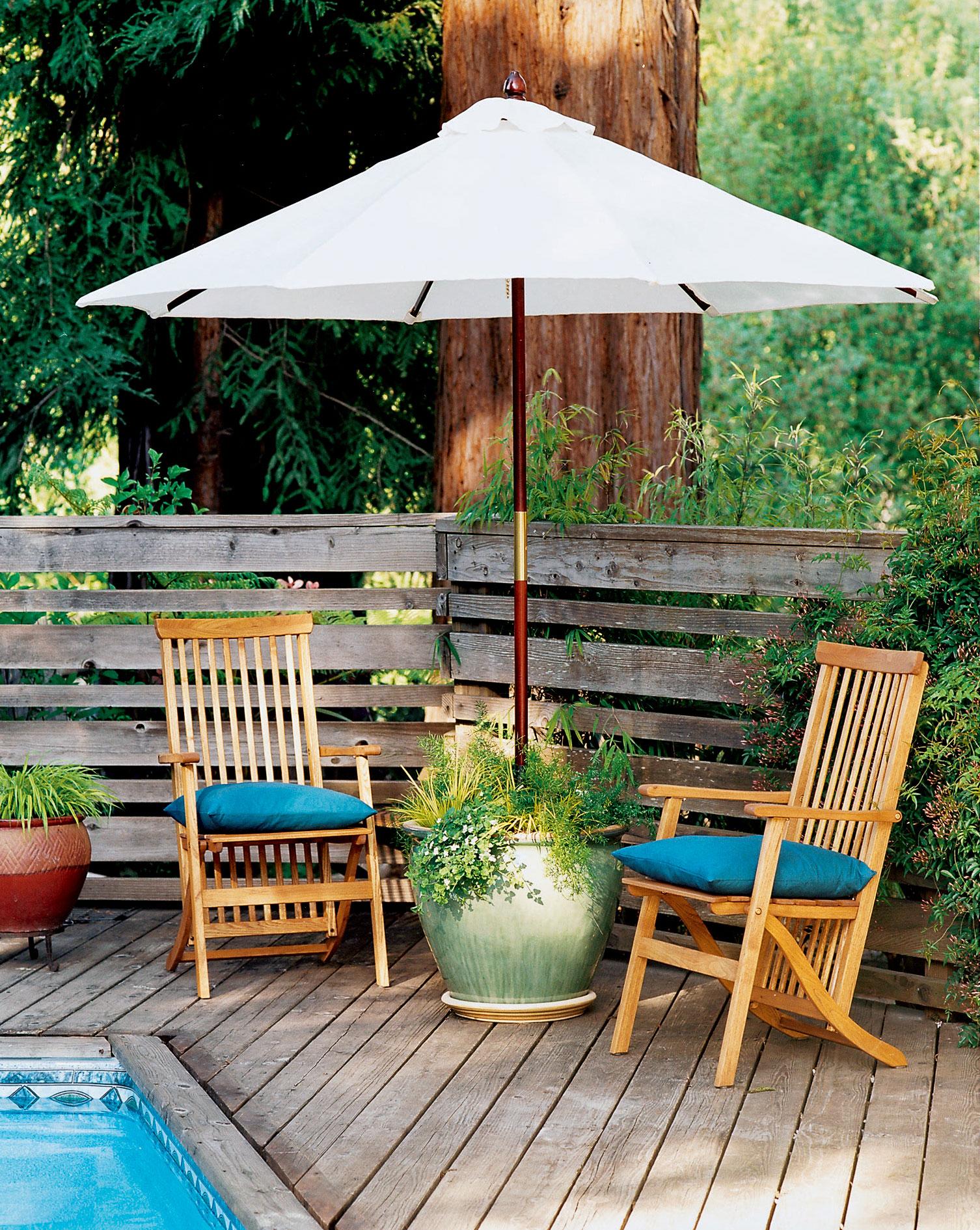 Planter umbrella stand sunset magazine solutioingenieria Image collections